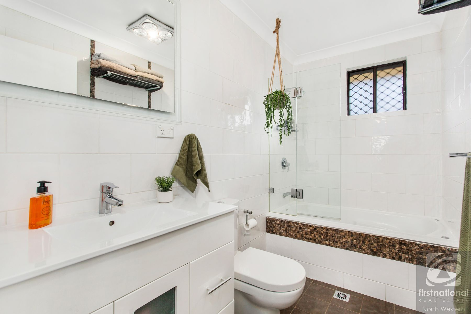 6 Gracelands Drive, Quakers Hill, NSW 2763