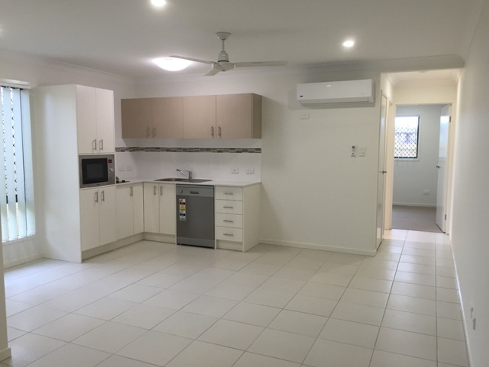 2/47 Br Ted Magee Drive, Collingwood Park, QLD 4301