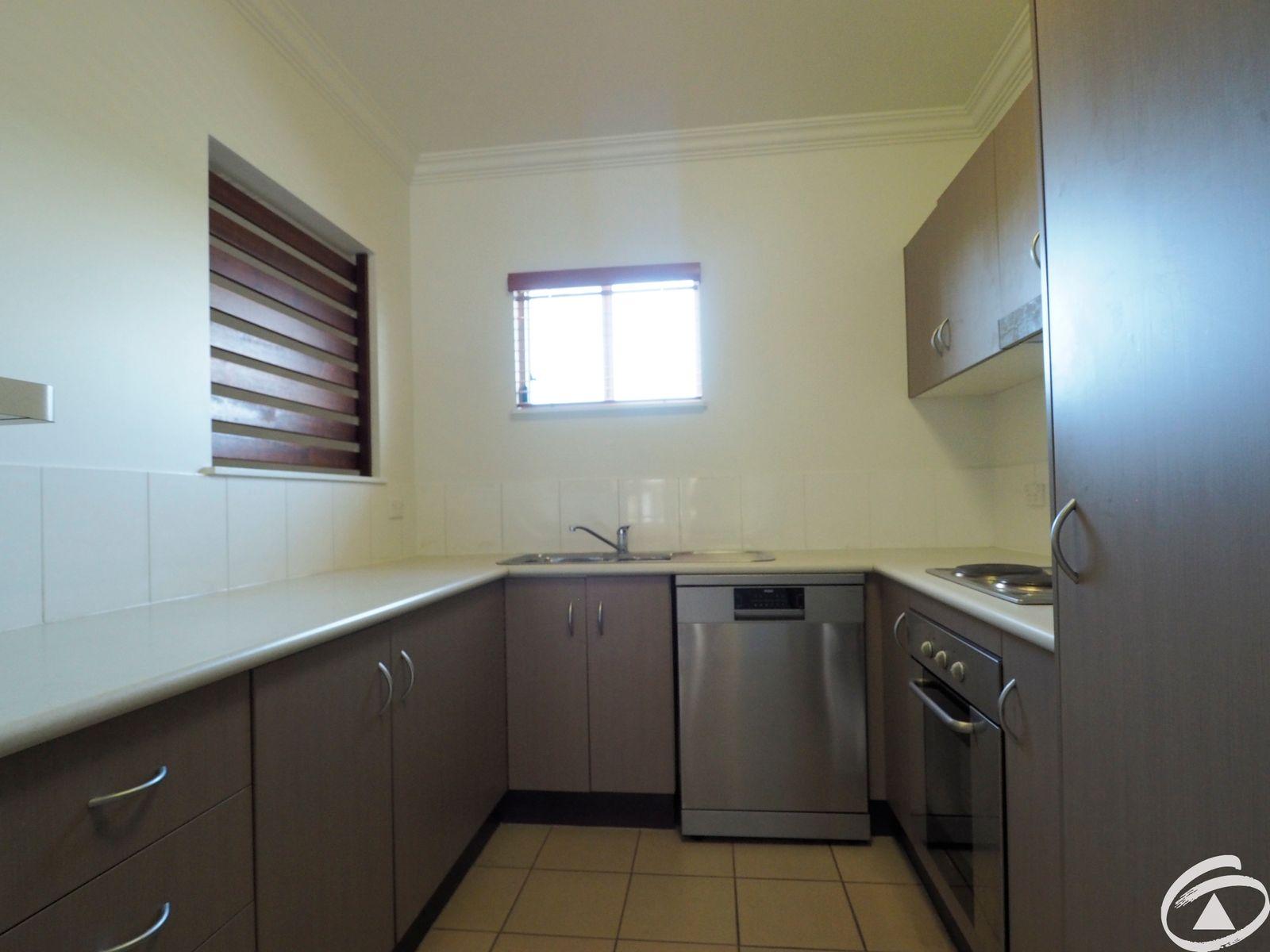 115/22 Ward Street, Mooroobool, QLD 4870