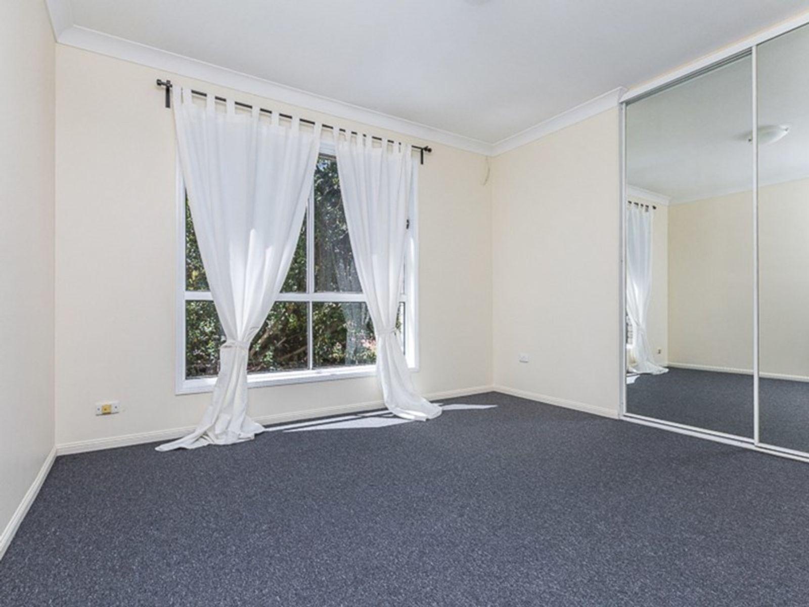 10 Vernon Court, Heritage Park, QLD 4118