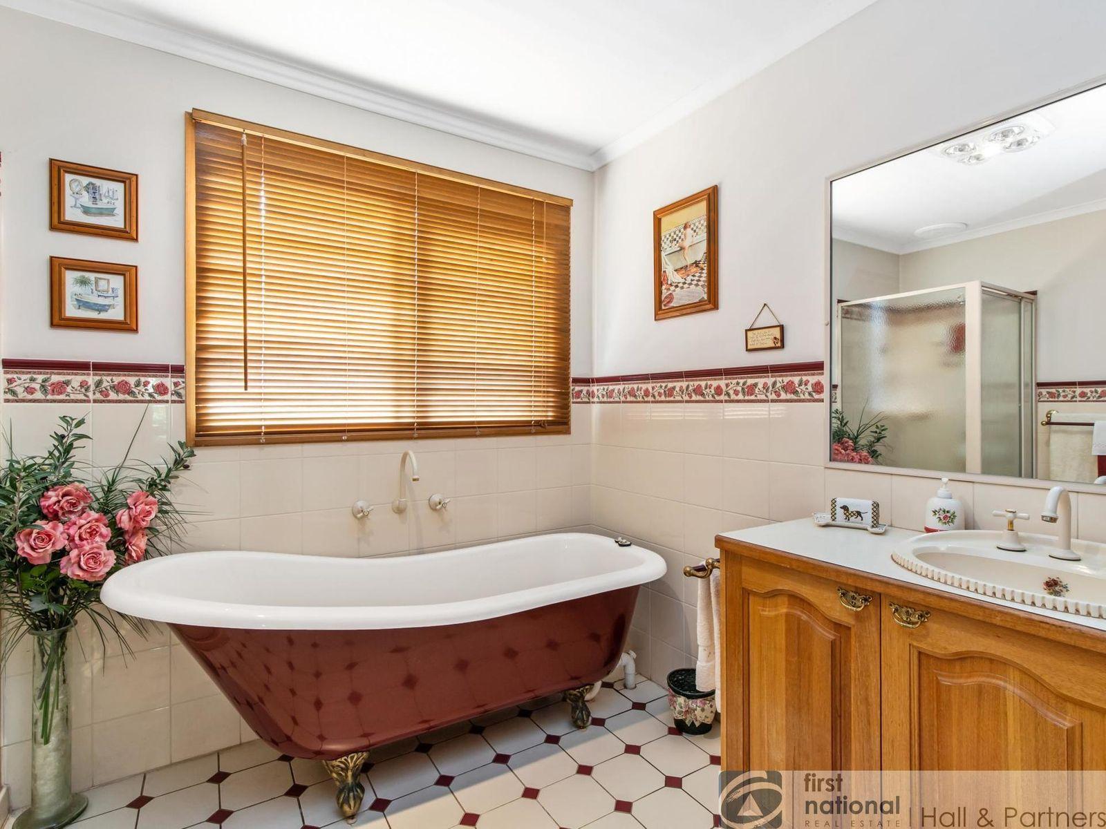 10 Bluebell Court, Berwick, VIC 3806