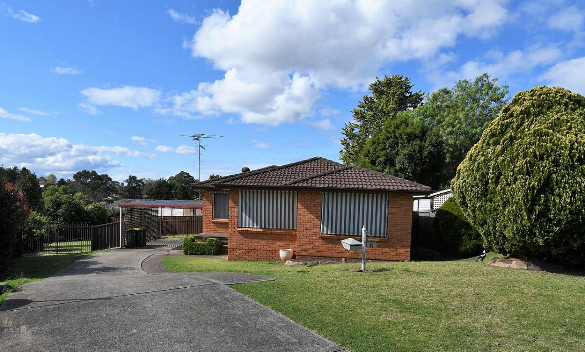 11 Scarus Place, Rosemeadow, NSW 2560