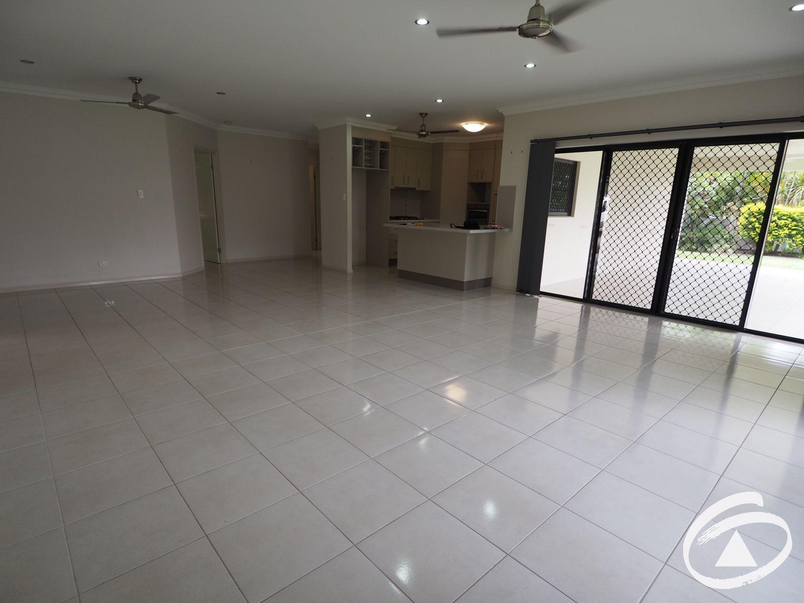 24 Rainbow Street, Kanimbla, QLD 4870