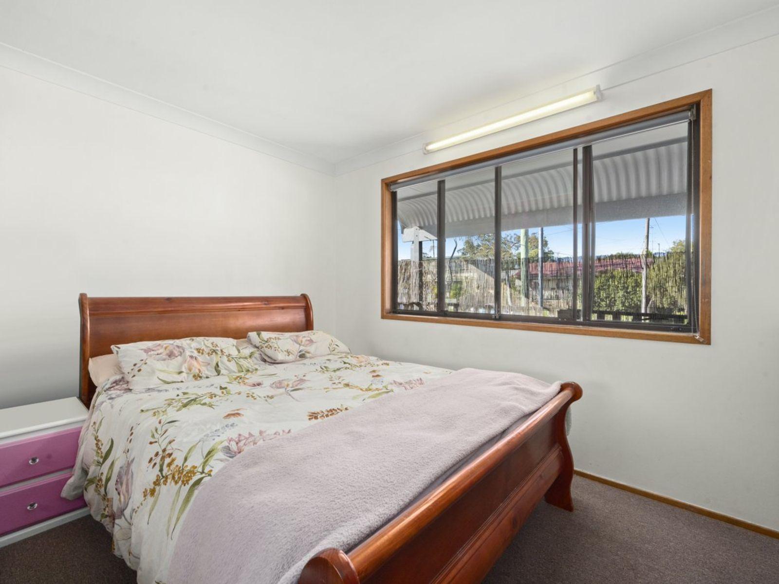 54 Kawana Avenue, Blue Haven, NSW 2262