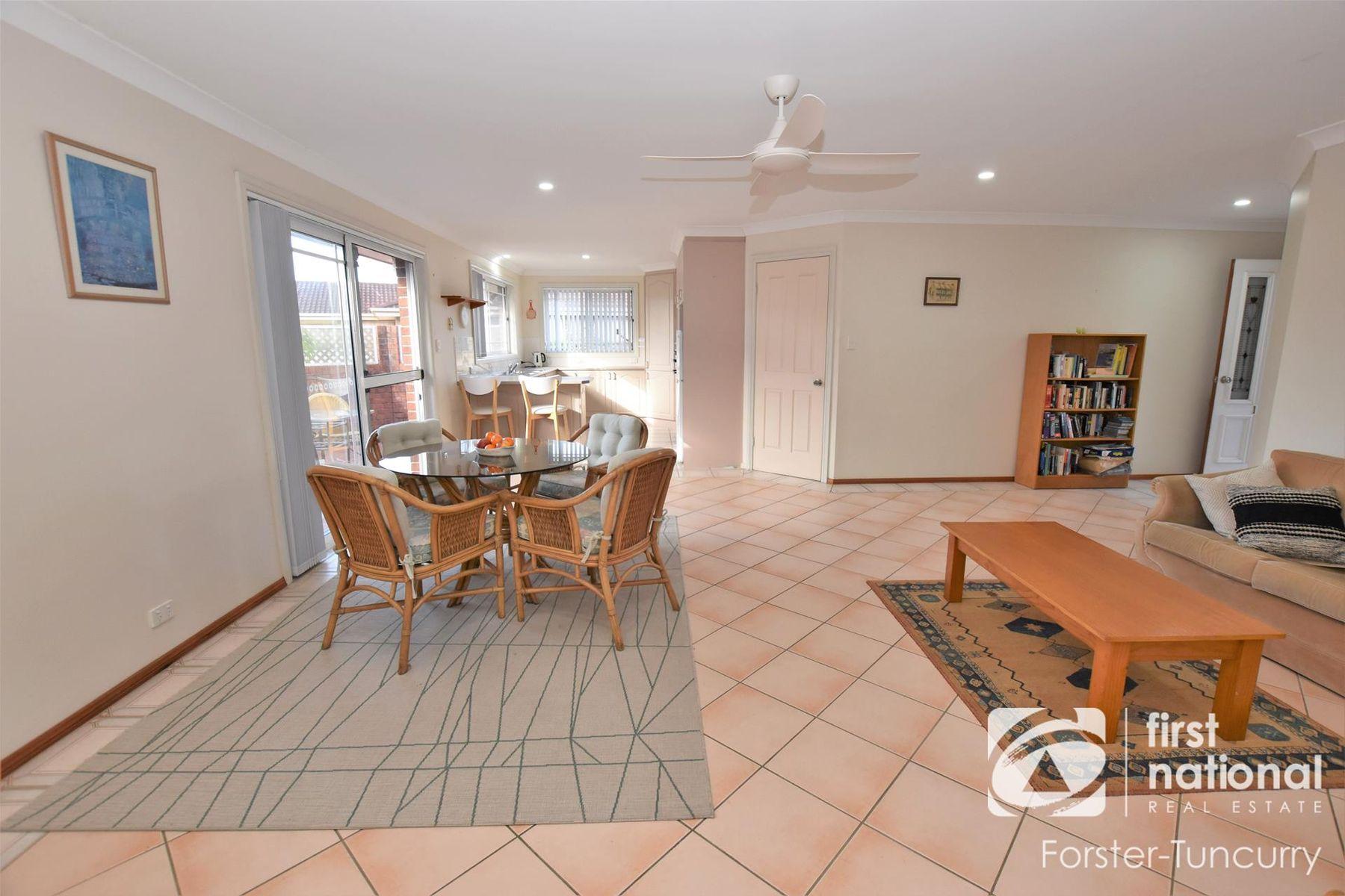 1/10 Grandis Drive, Tuncurry, NSW 2428