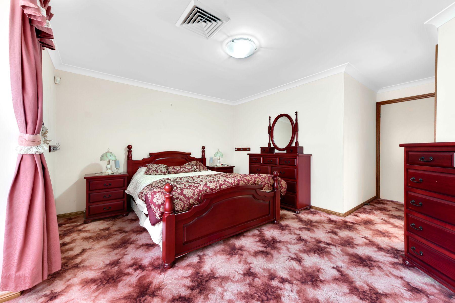 50 Claremont Circuit, Glen Alpine, NSW 2560