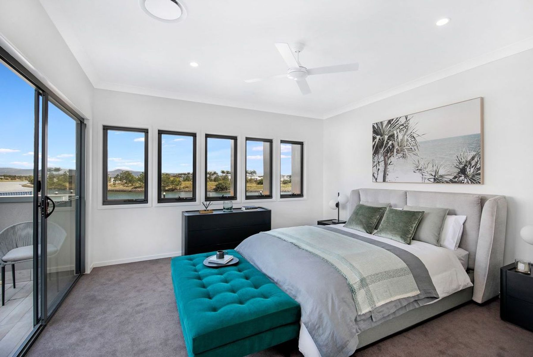 1  Lyra Avenue, Hope Island, QLD 4212