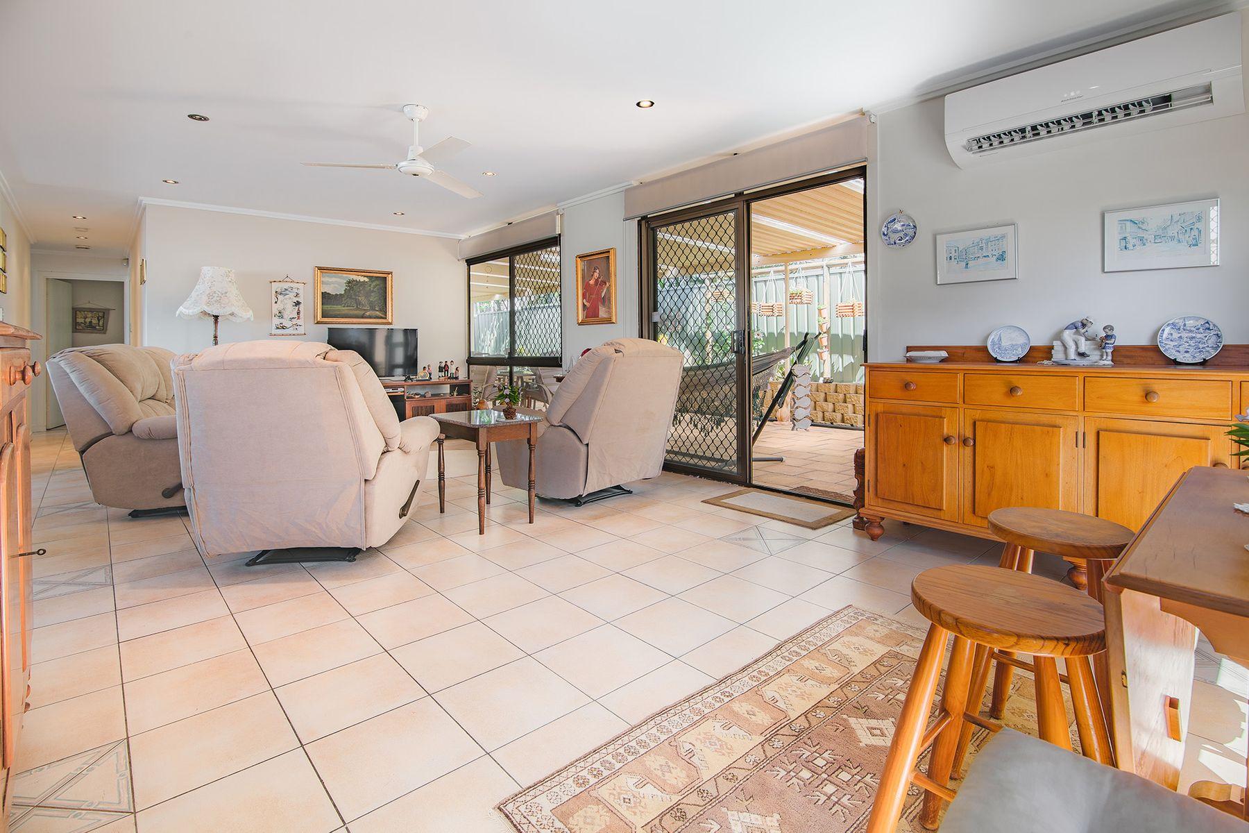 136 Heeb Street, Benowa, QLD 4217