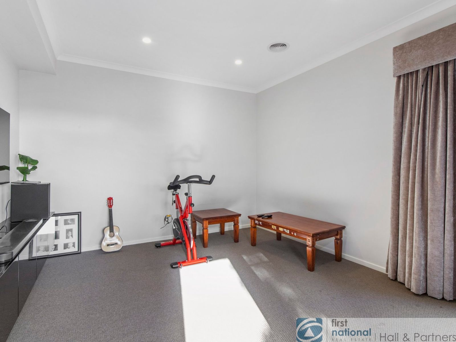 28 Mapleshade Avenue, Clyde North, VIC 3978