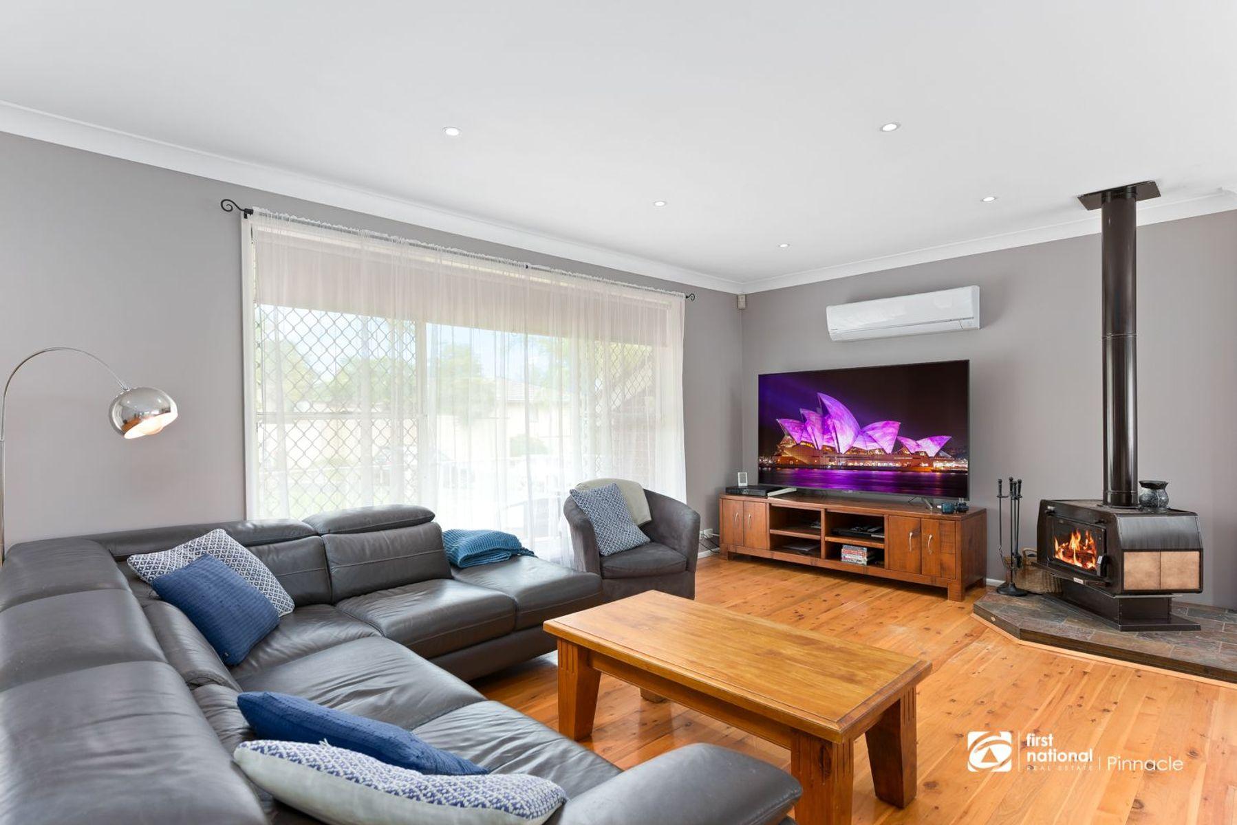 28 Flynn Crescent, Leumeah, NSW 2560