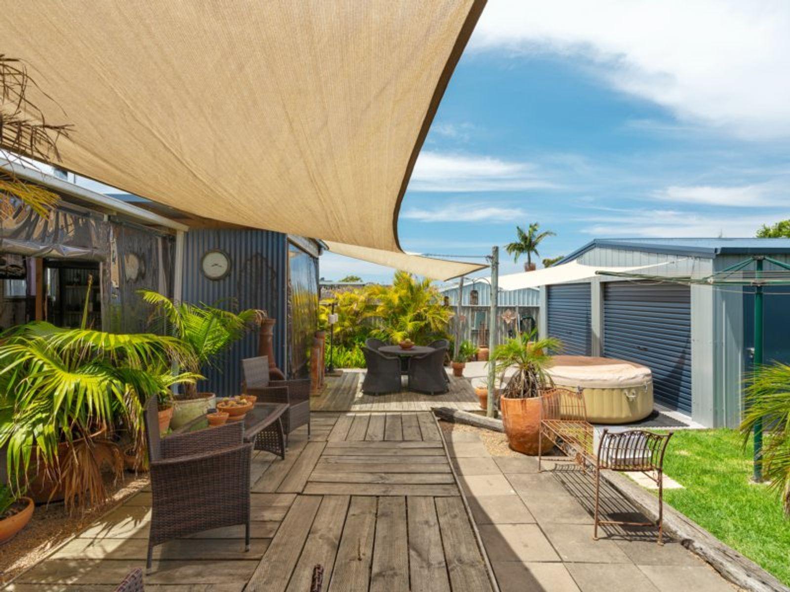 10 Sylvia Avenue, Gorokan, NSW 2263