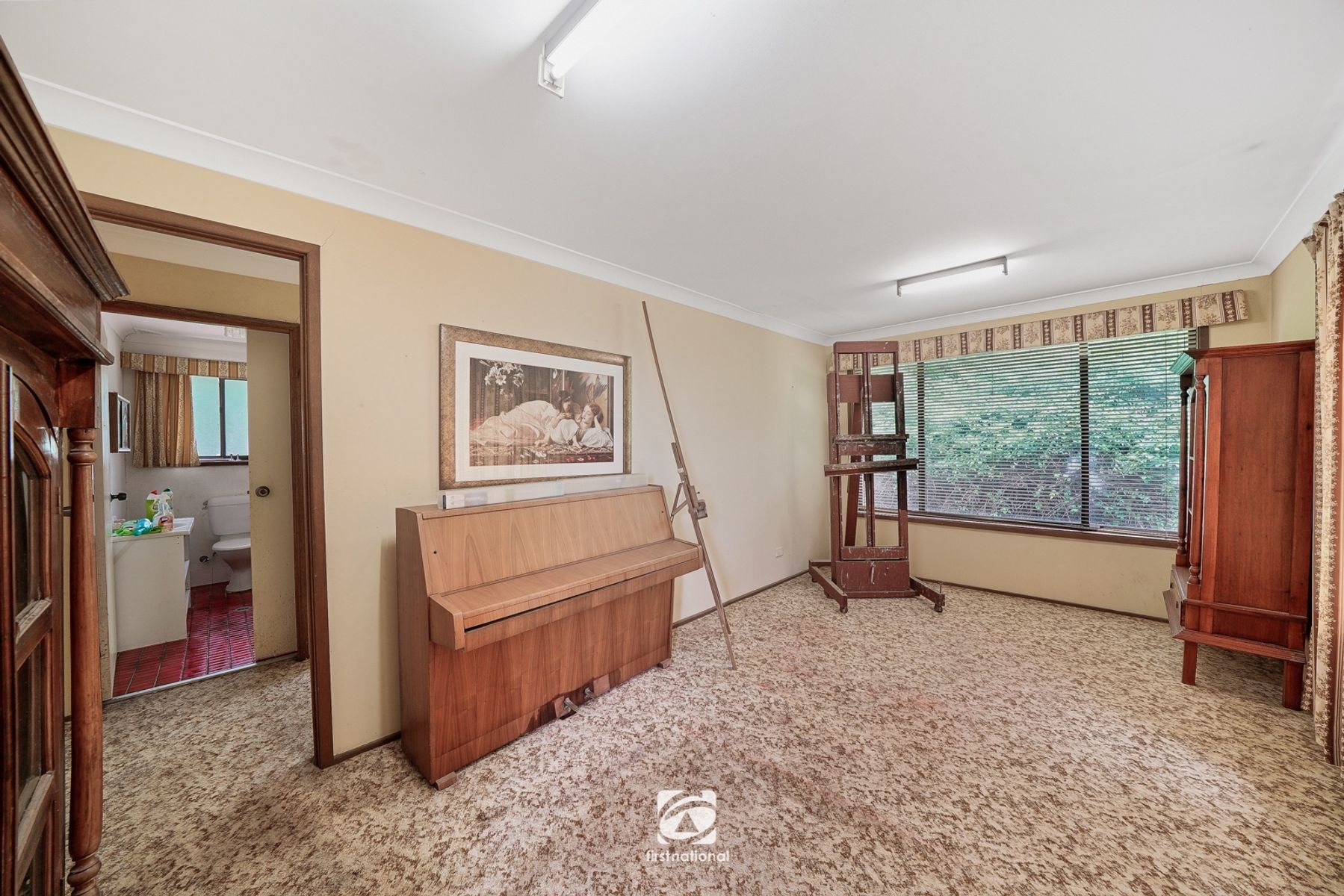 220 Montpelier Drive, The Oaks, NSW 2570