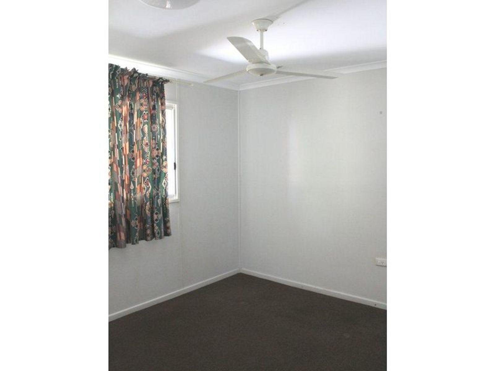 1/2 Elizabeth Street, Sarina, QLD 4737