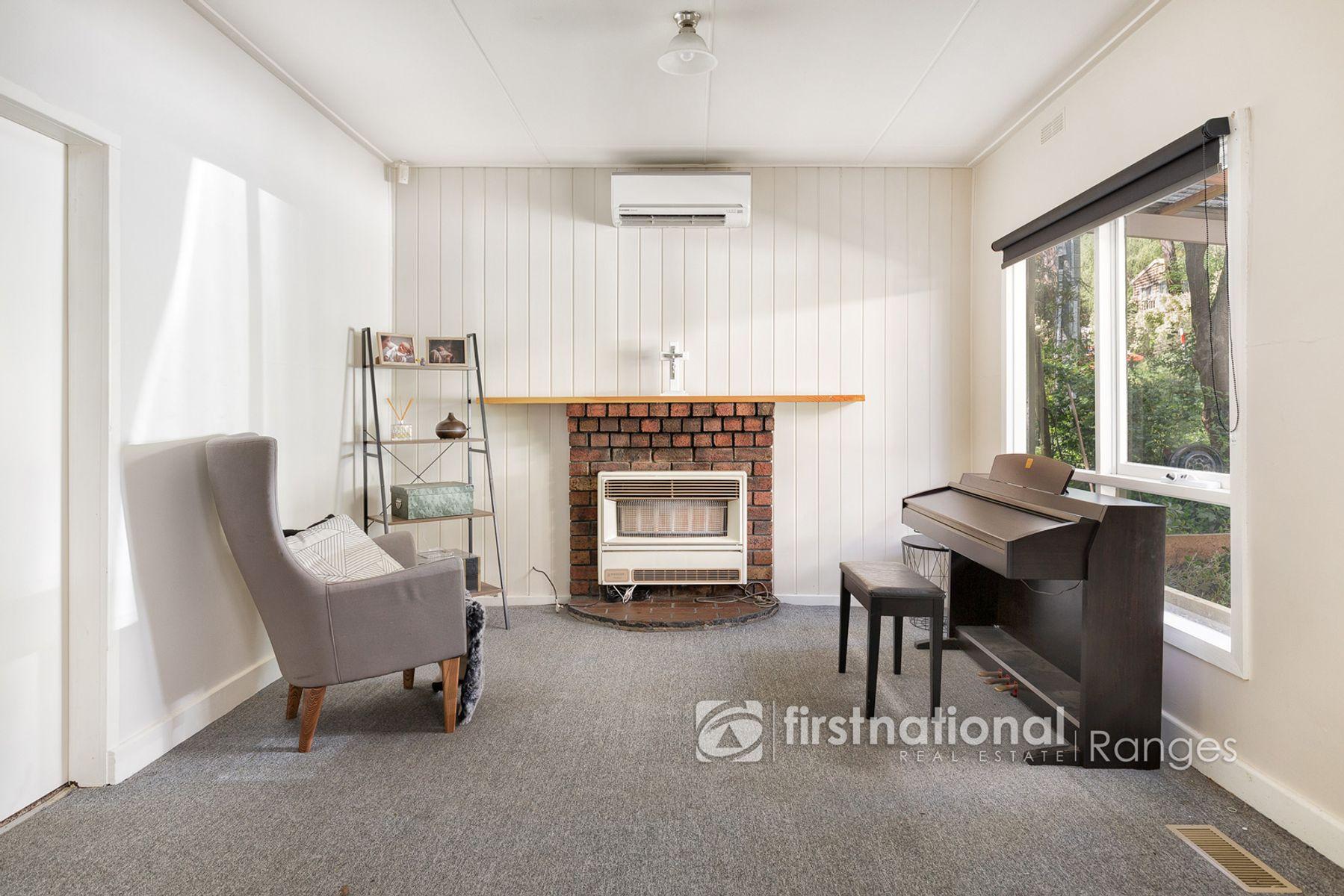 11 Edmunds Road, Cockatoo, VIC 3781