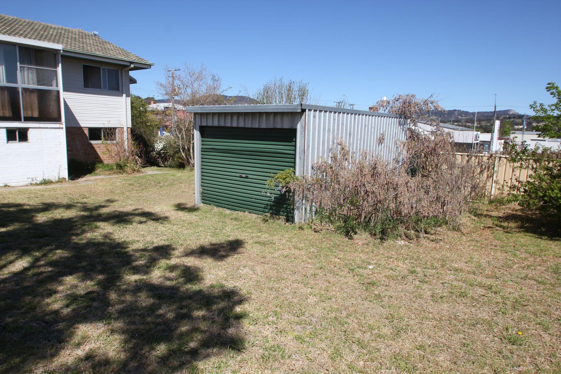 98 Miles Street, Tenterfield, NSW 2372