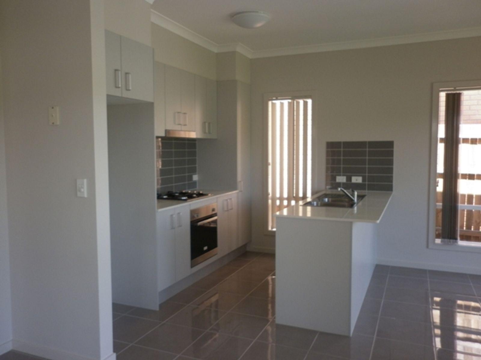 6 Erbin Lane, Augustine Heights, QLD 4300
