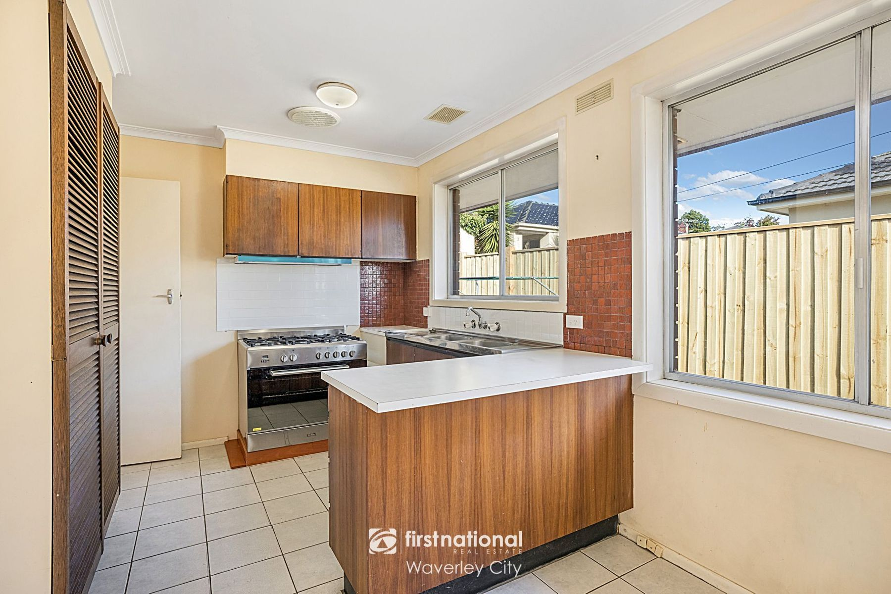1/204 Gallaghers Road, Glen Waverley, VIC 3150