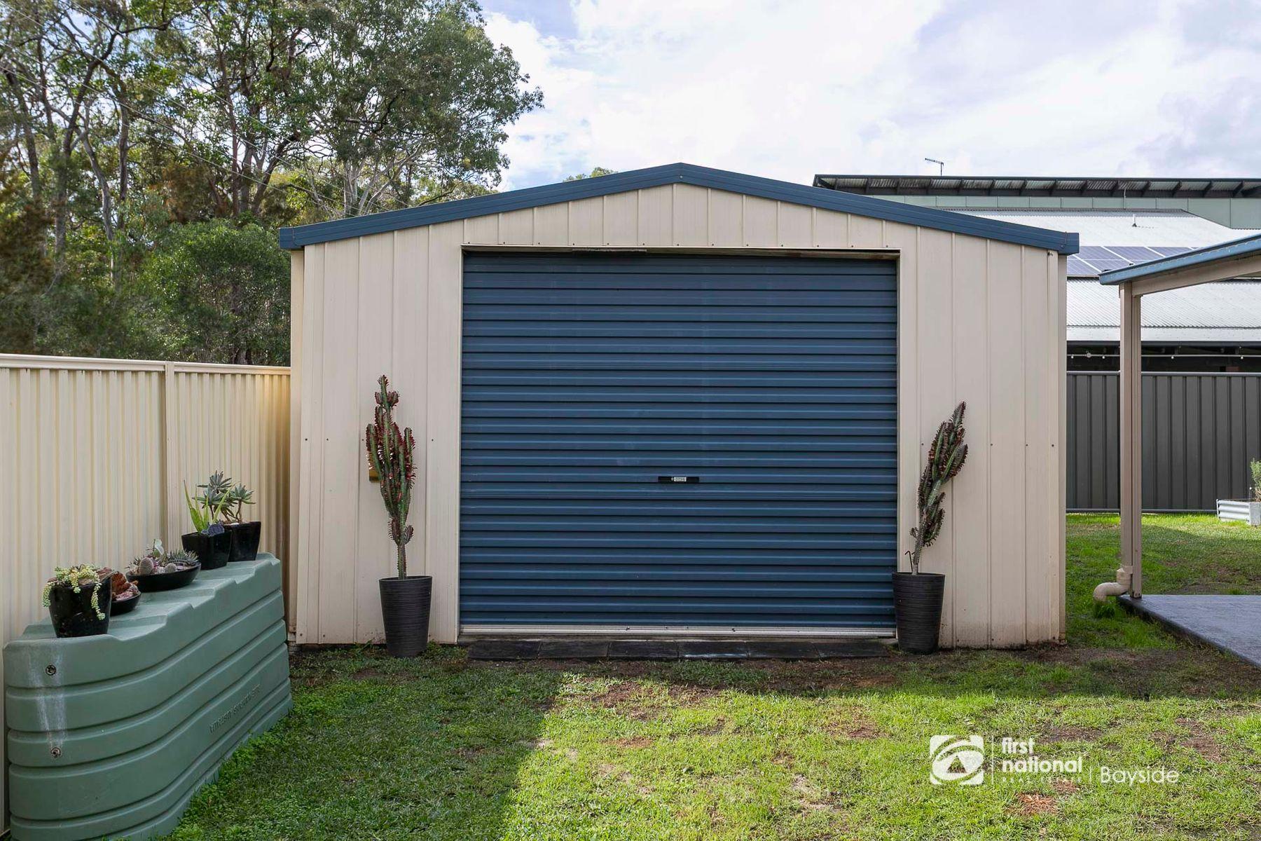 15 Spike Street, Redland Bay, QLD 4165