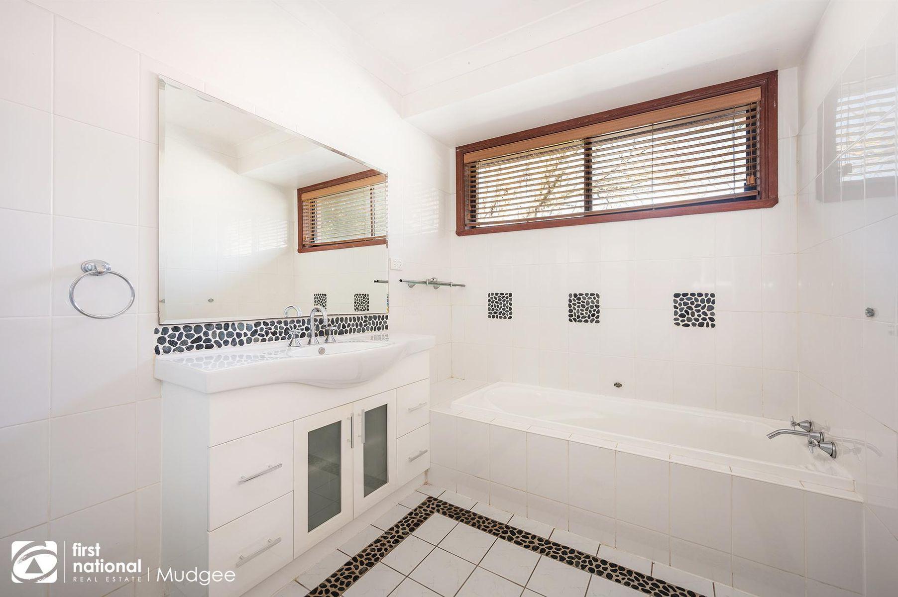 34 Mulgoa Way, Mudgee, NSW 2850