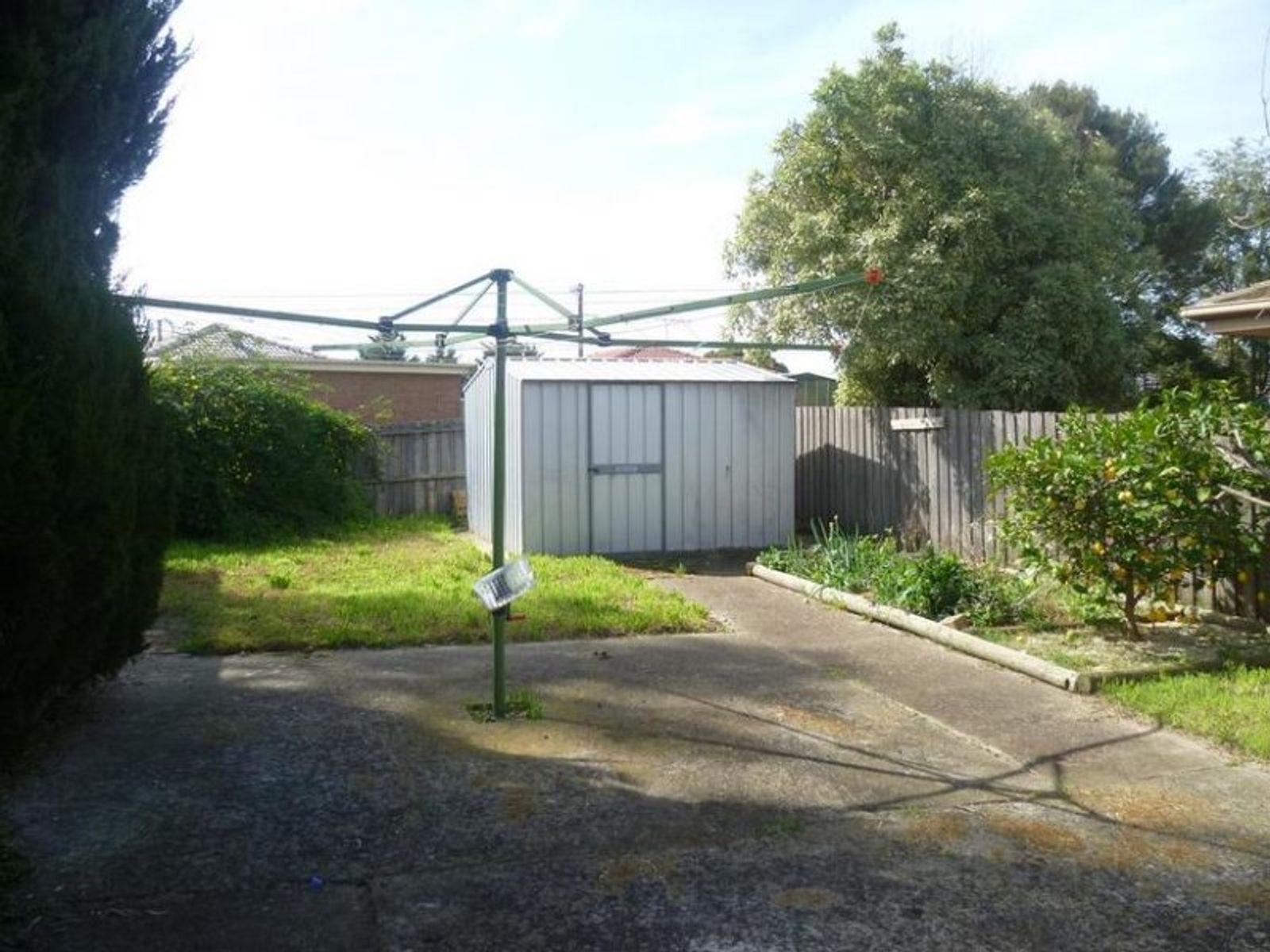 2 Kingfisher Court, Werribee, VIC 3030