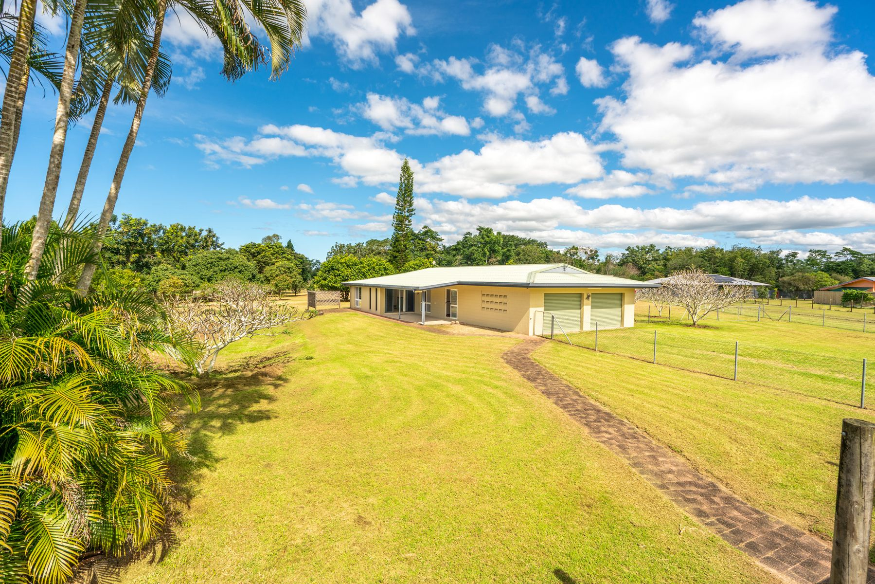 27 Martinuzzi Close, New Harbourline, QLD 4858