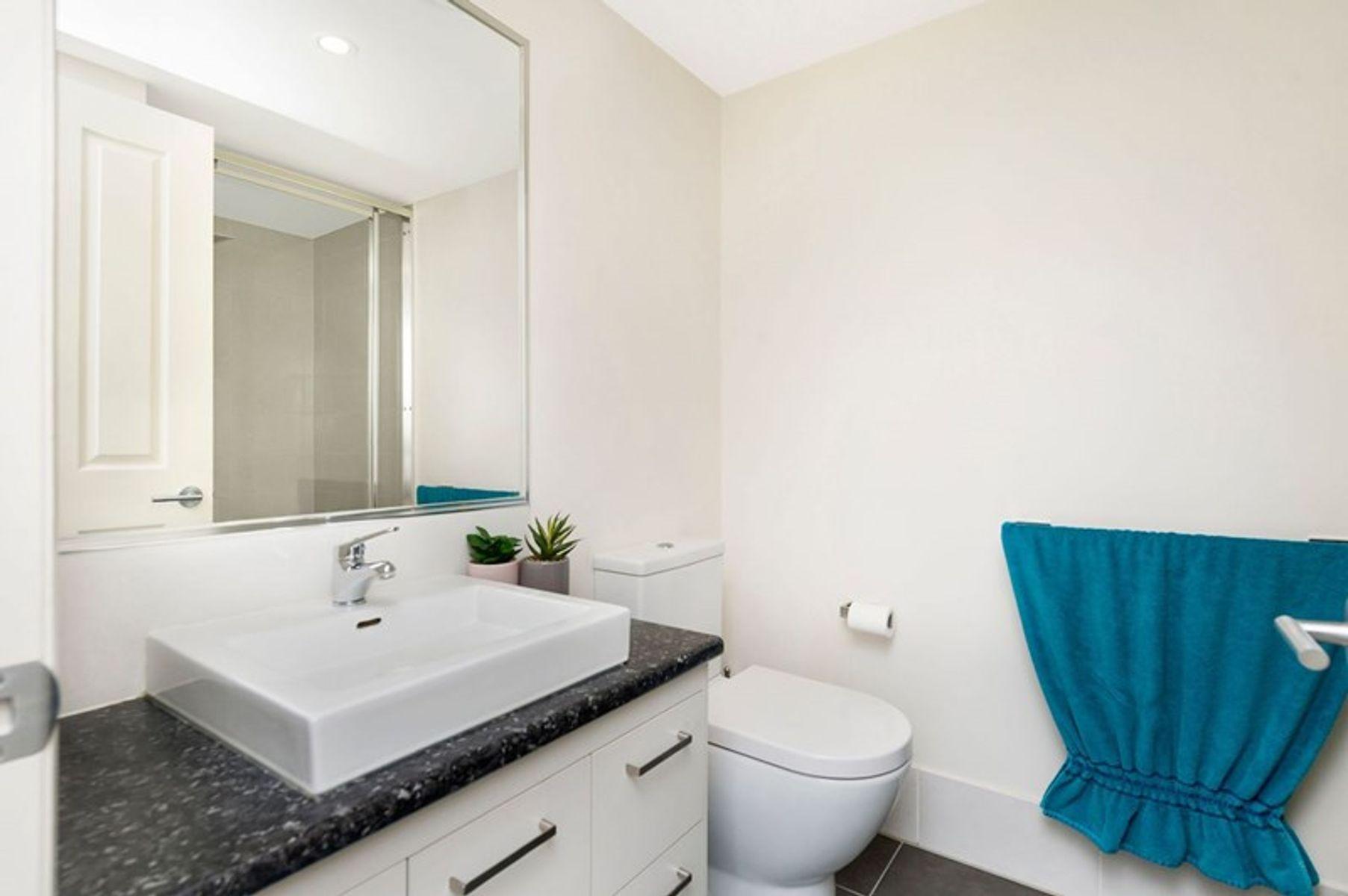 1/77 Brighton Street, Biggera Waters, QLD 4216