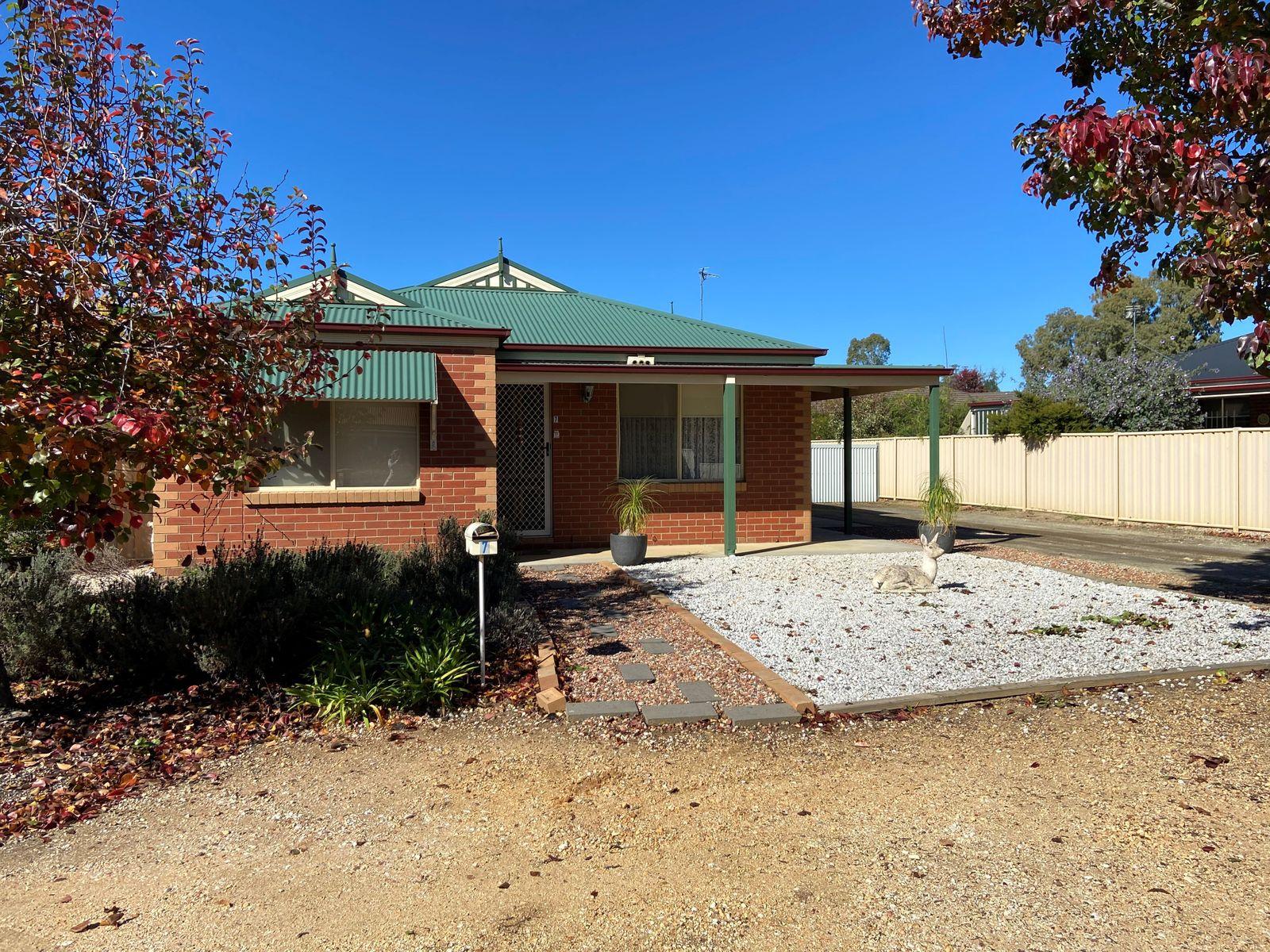 7 Parklane Court, Kangaroo Flat, VIC 3555