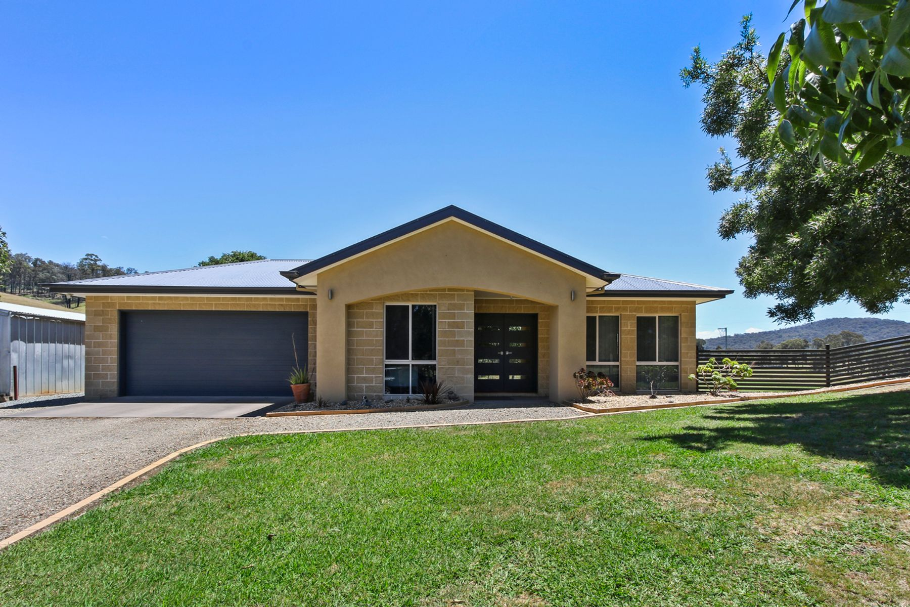 1 Old Fairy Dell Road, Wiseleigh, VIC 3885