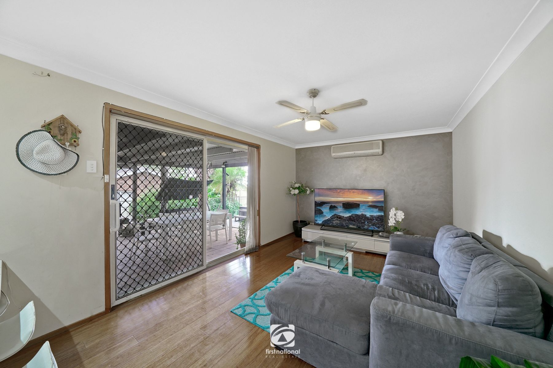 12 Donalbain Circuit, Rosemeadow, NSW 2560