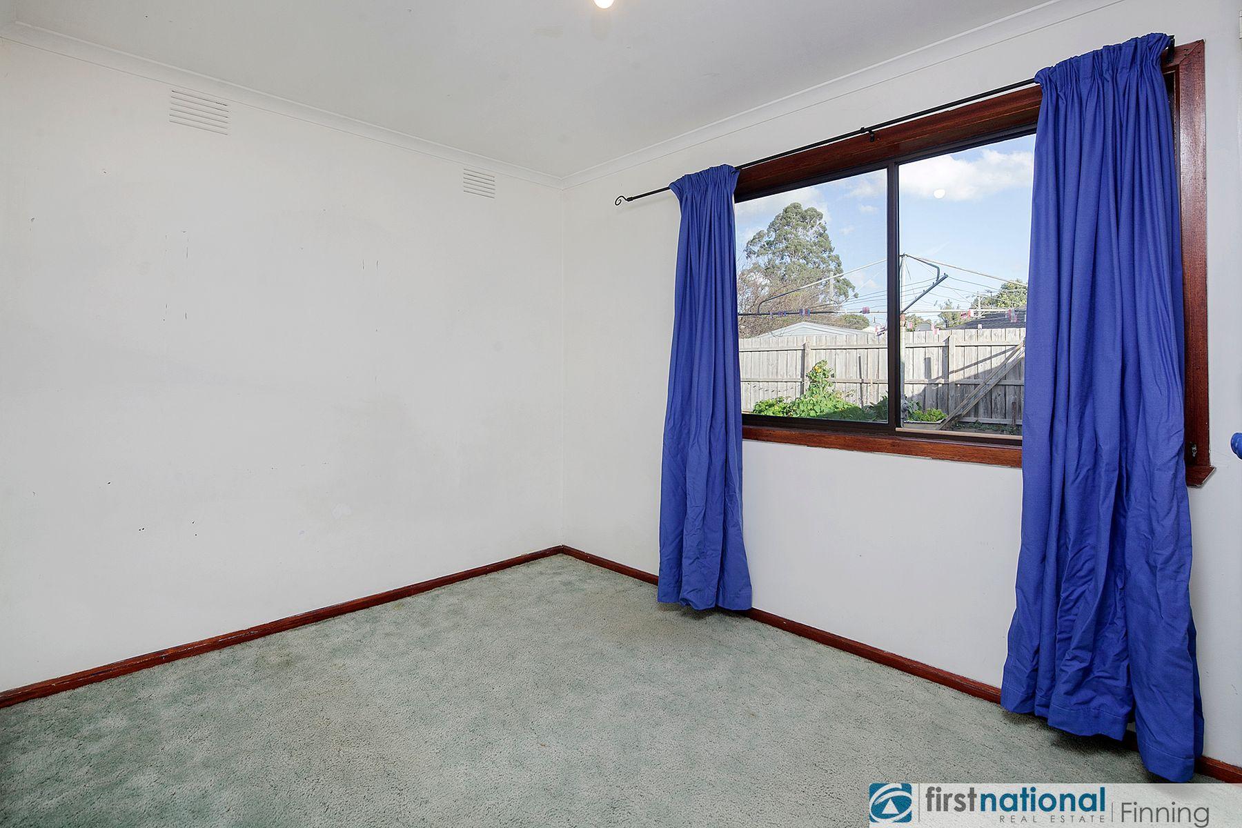16 Loch Street, Cranbourne, VIC 3977