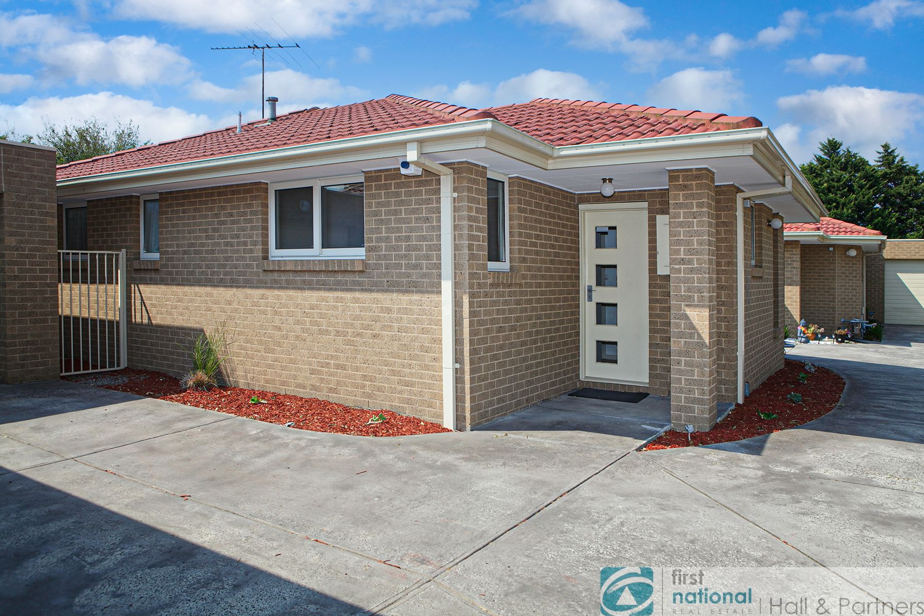 2/9 The Birches, Doveton, VIC 3177