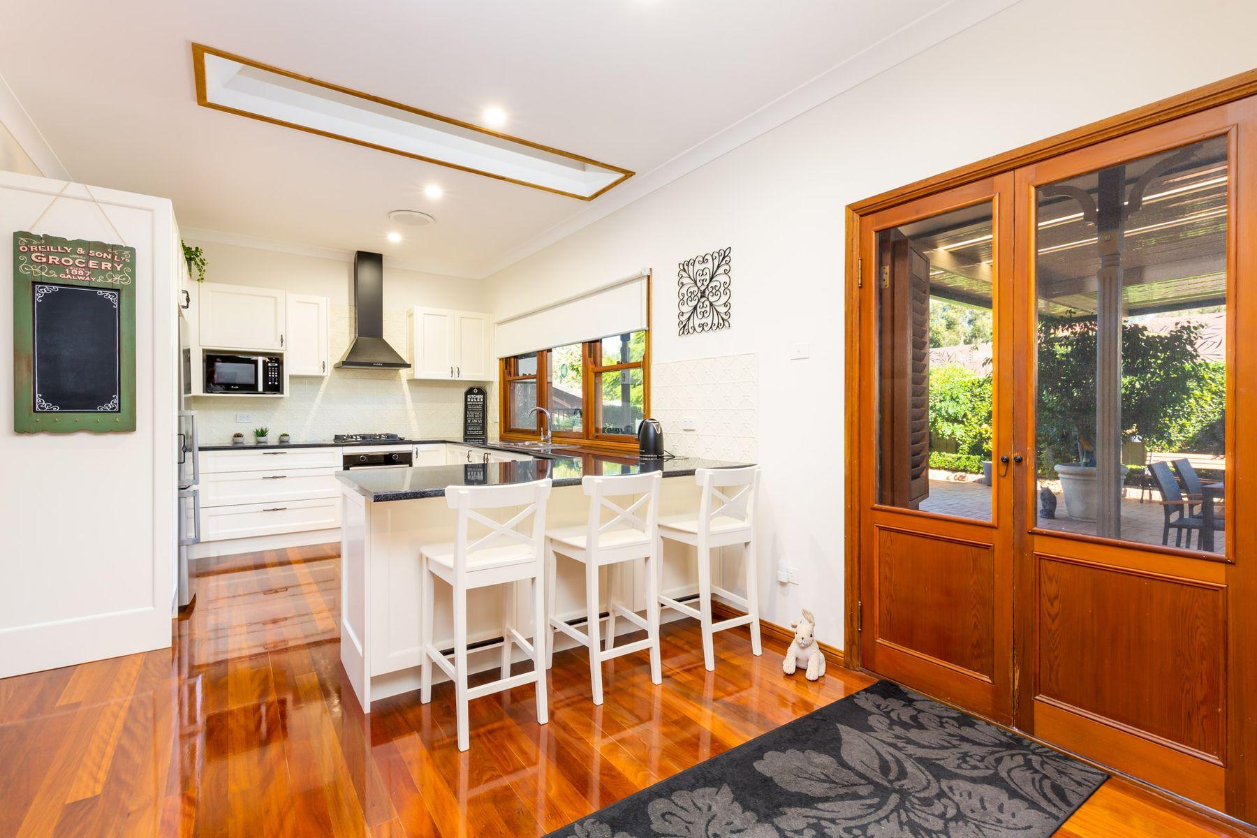 1 Staveley Court, Lakelands, NSW 2282