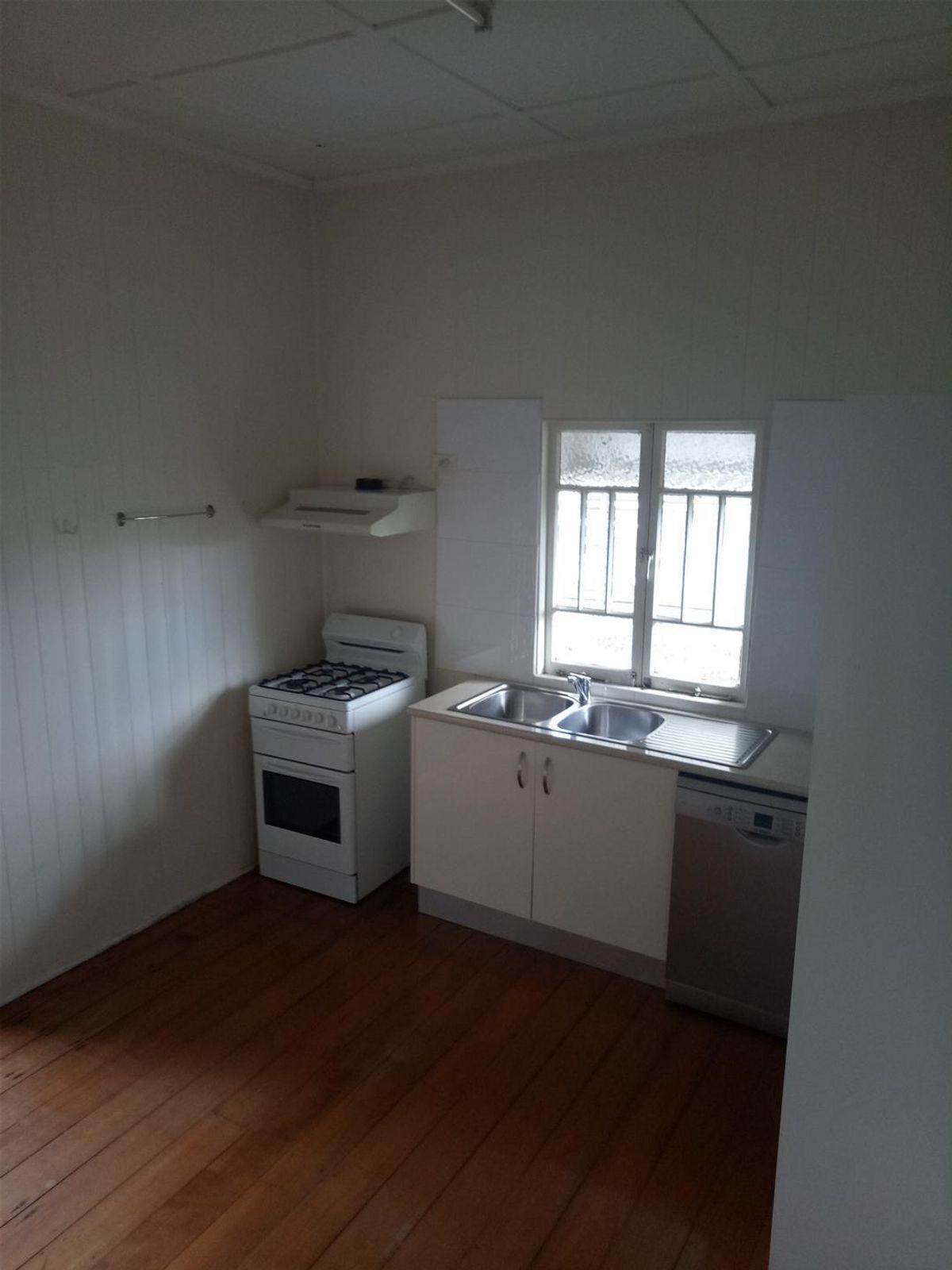 82 Fanny Street, Annerley, QLD 4103
