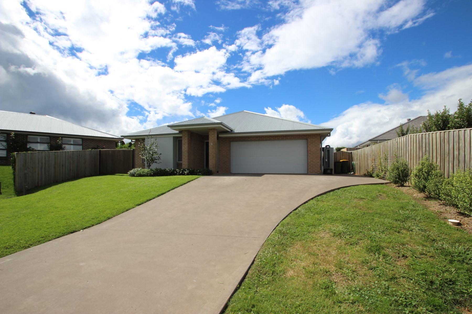 4 Whitton Close, Moss Vale, NSW 2577