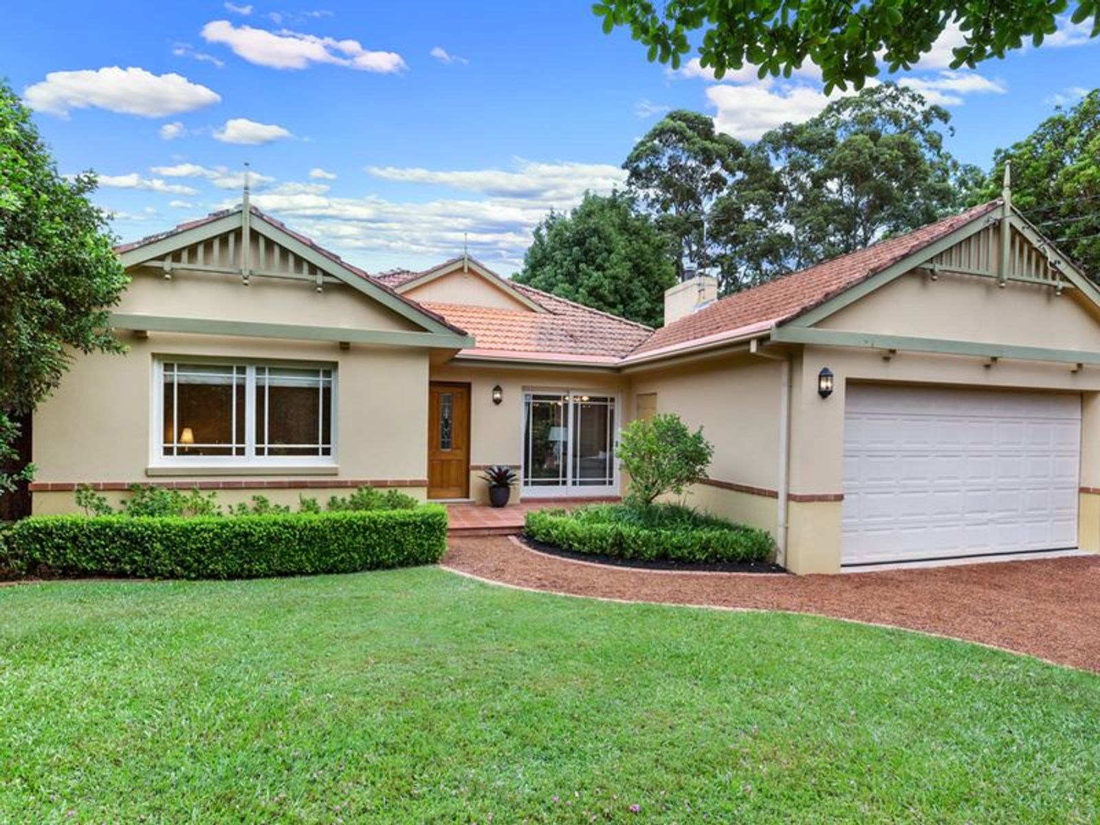 28 Carbeen Avenue, St Ives, NSW 2075