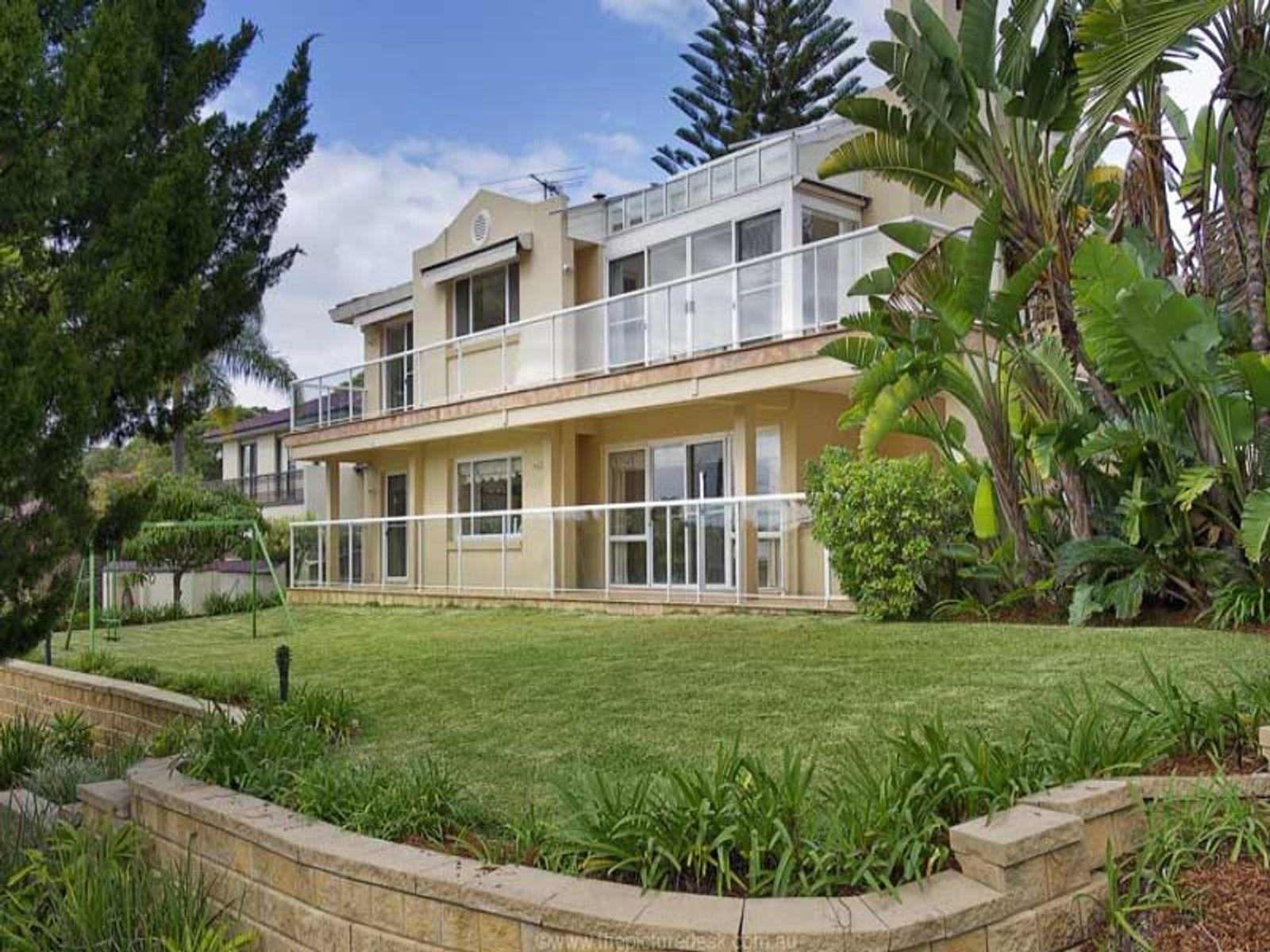 3 Kallista Avenue, St Ives, NSW 2075