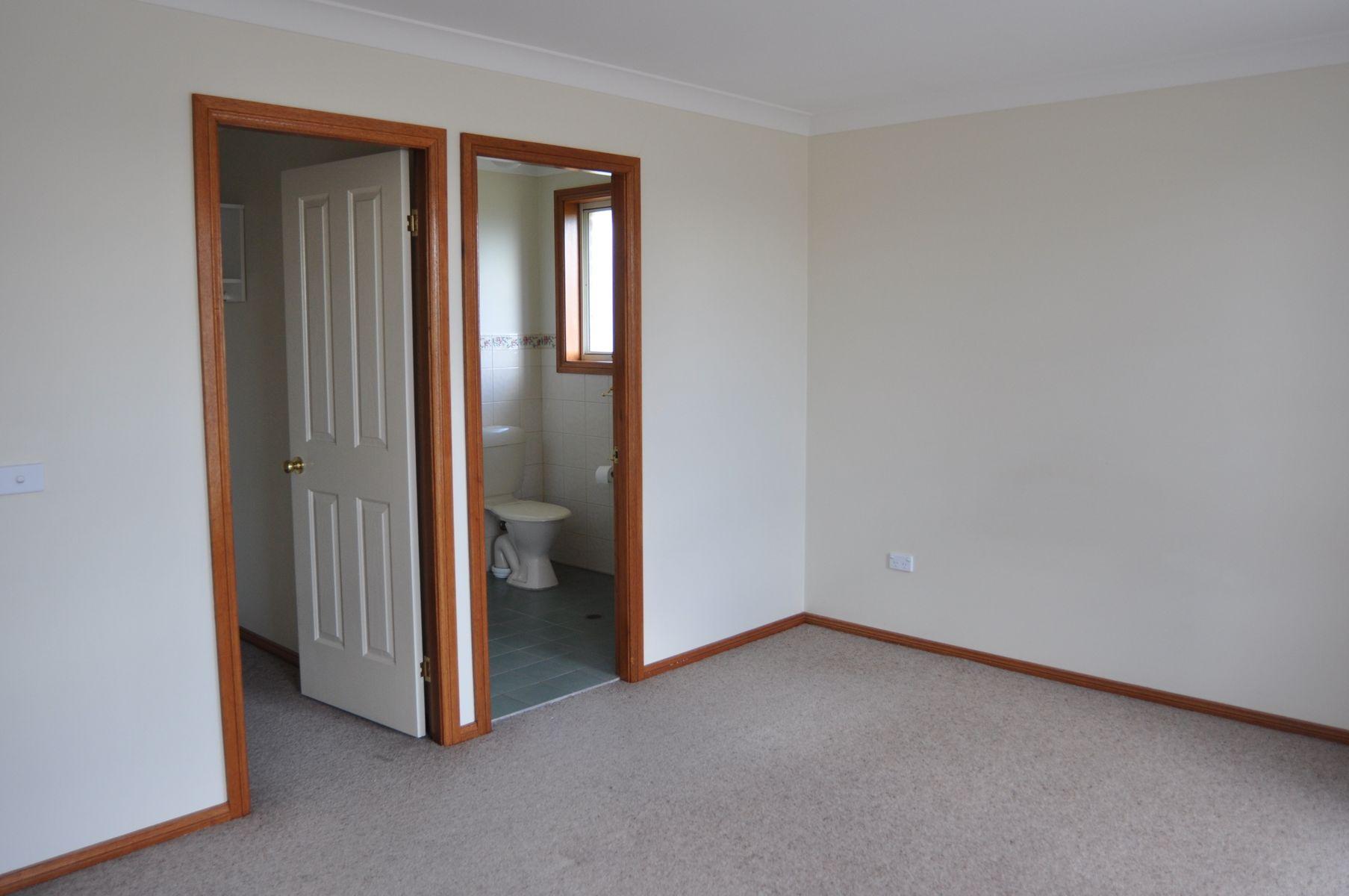 28 Endurance Court, Llanarth, NSW 2795