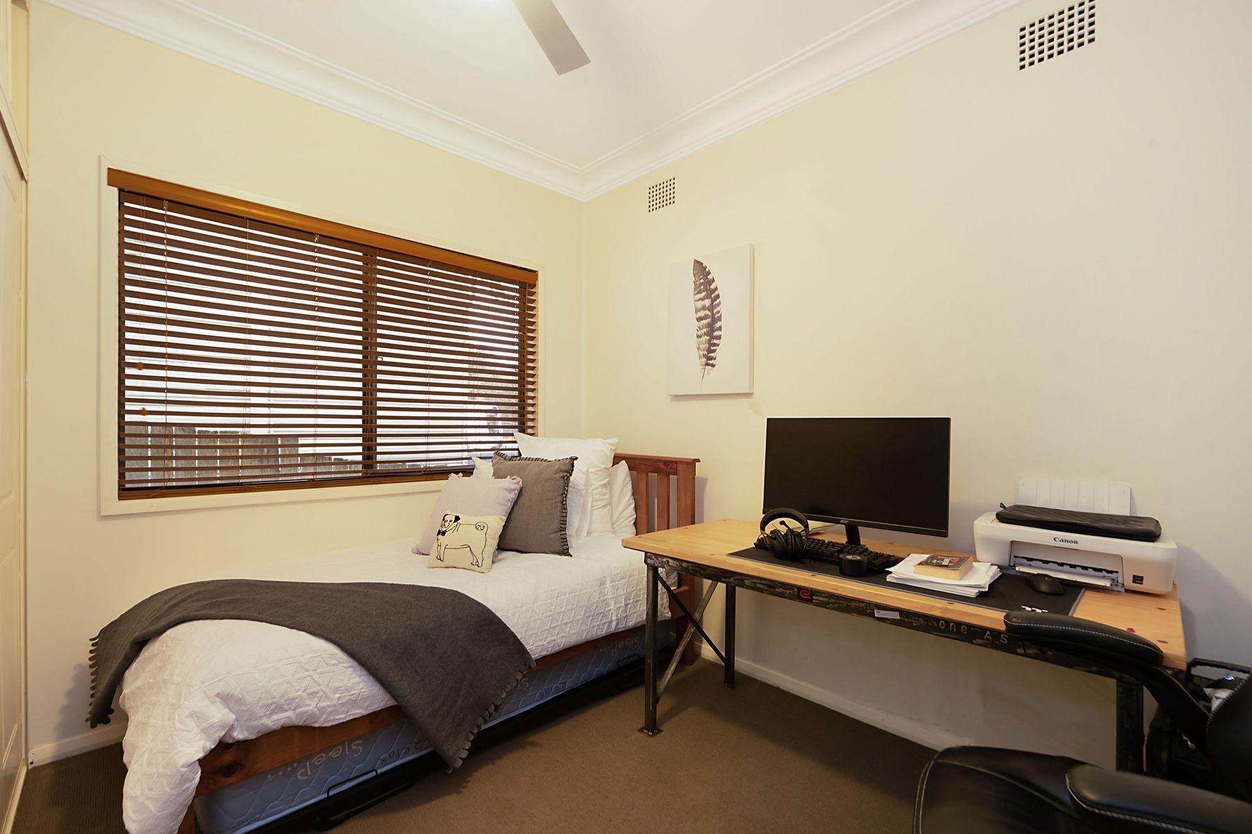 20 Deborah Street, Kotara South, NSW 2289
