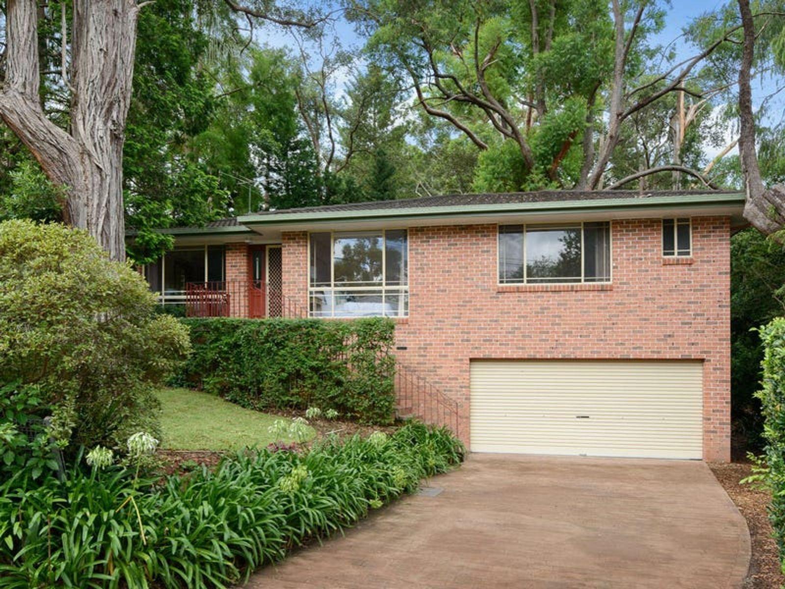 33 Pearson Avenue, Gordon, NSW 2072