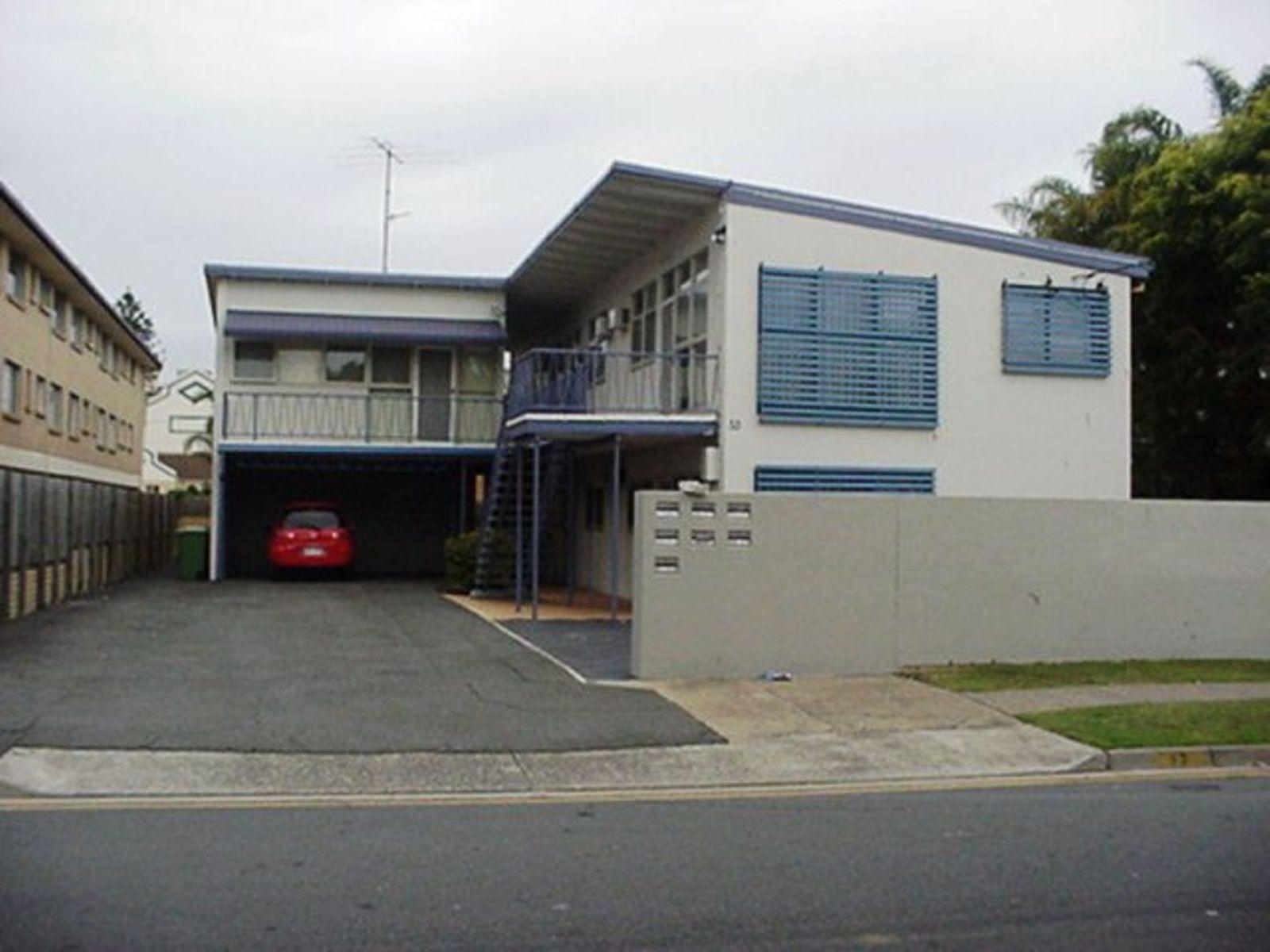 33 Leonard Avenue, Surfers Paradise, QLD 4217