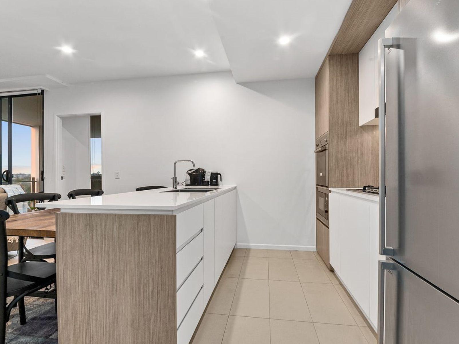 1005/123 Cavendish Road, Coorparoo, QLD 4151