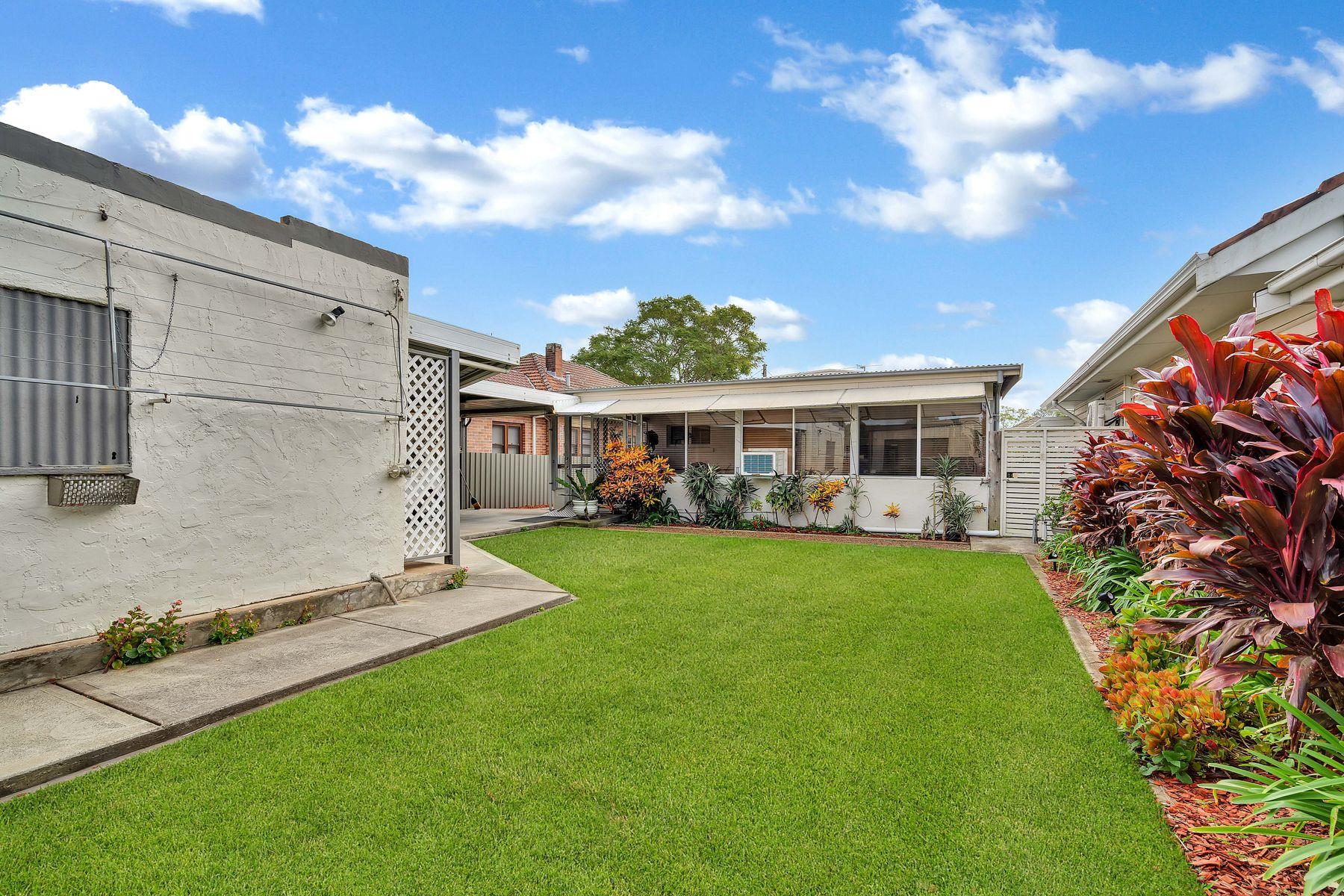 25.. Roy Street, Lorn, NSW 2320