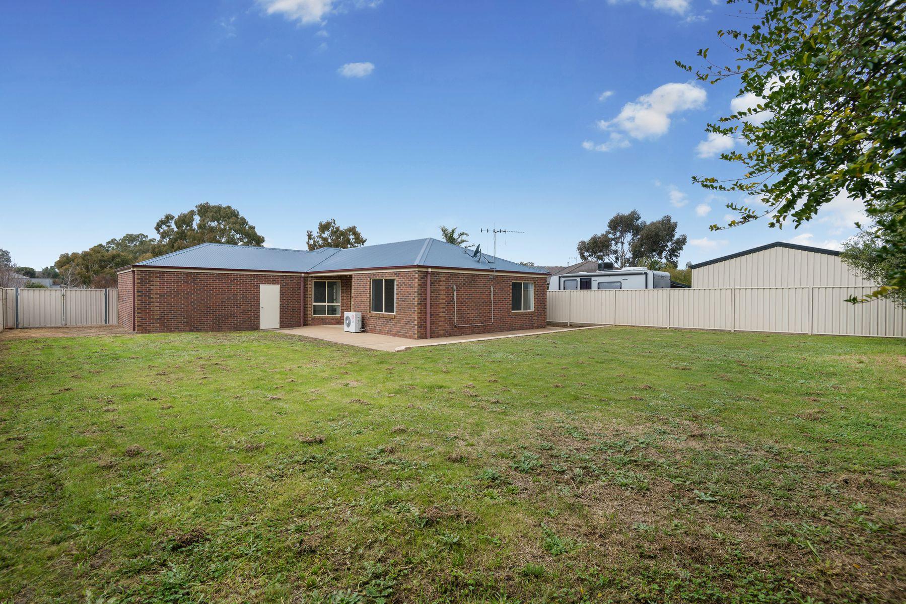 9 Alexander Close, Strathfieldsaye, VIC 3551