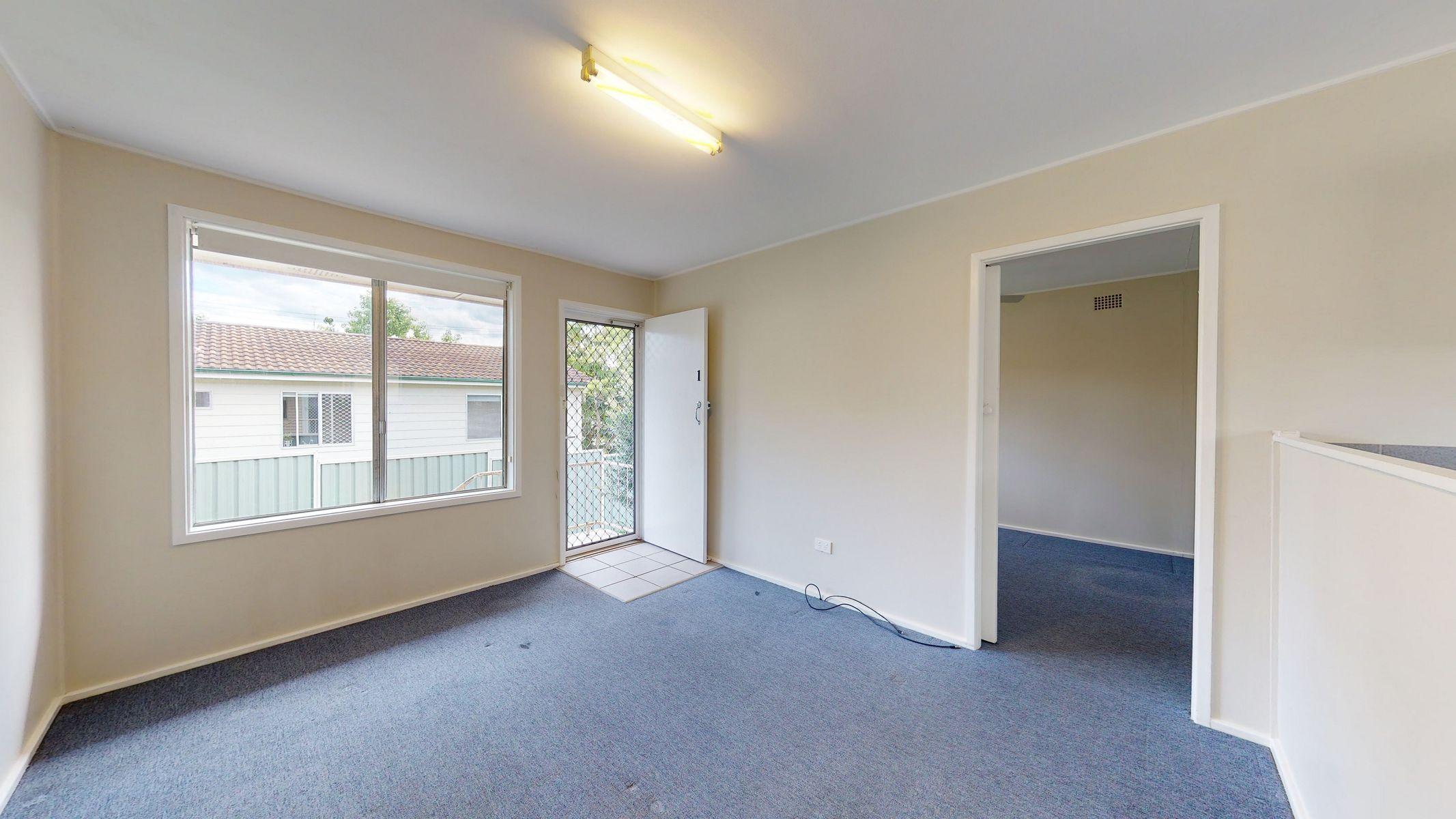 1/3 Laxton Crescent, Belmont North, NSW 2280