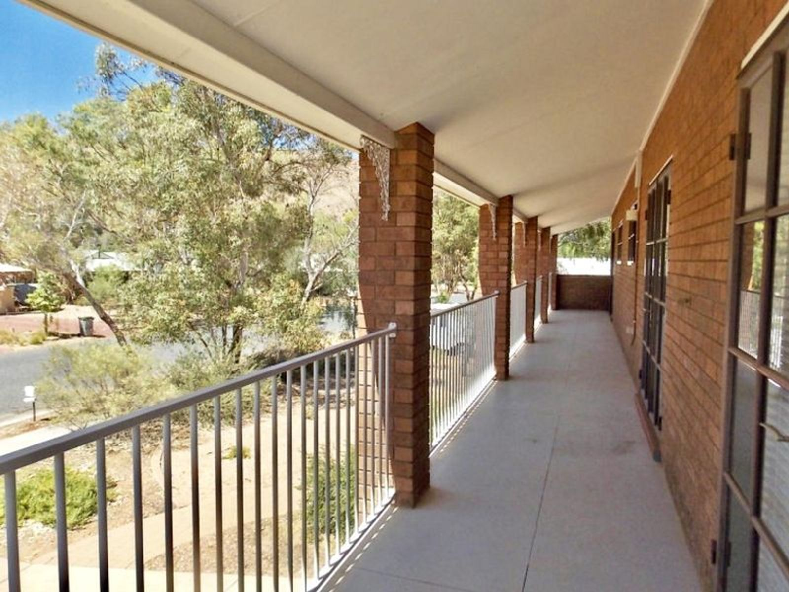 37 Hillside Garden, Desert Springs, NT 0870