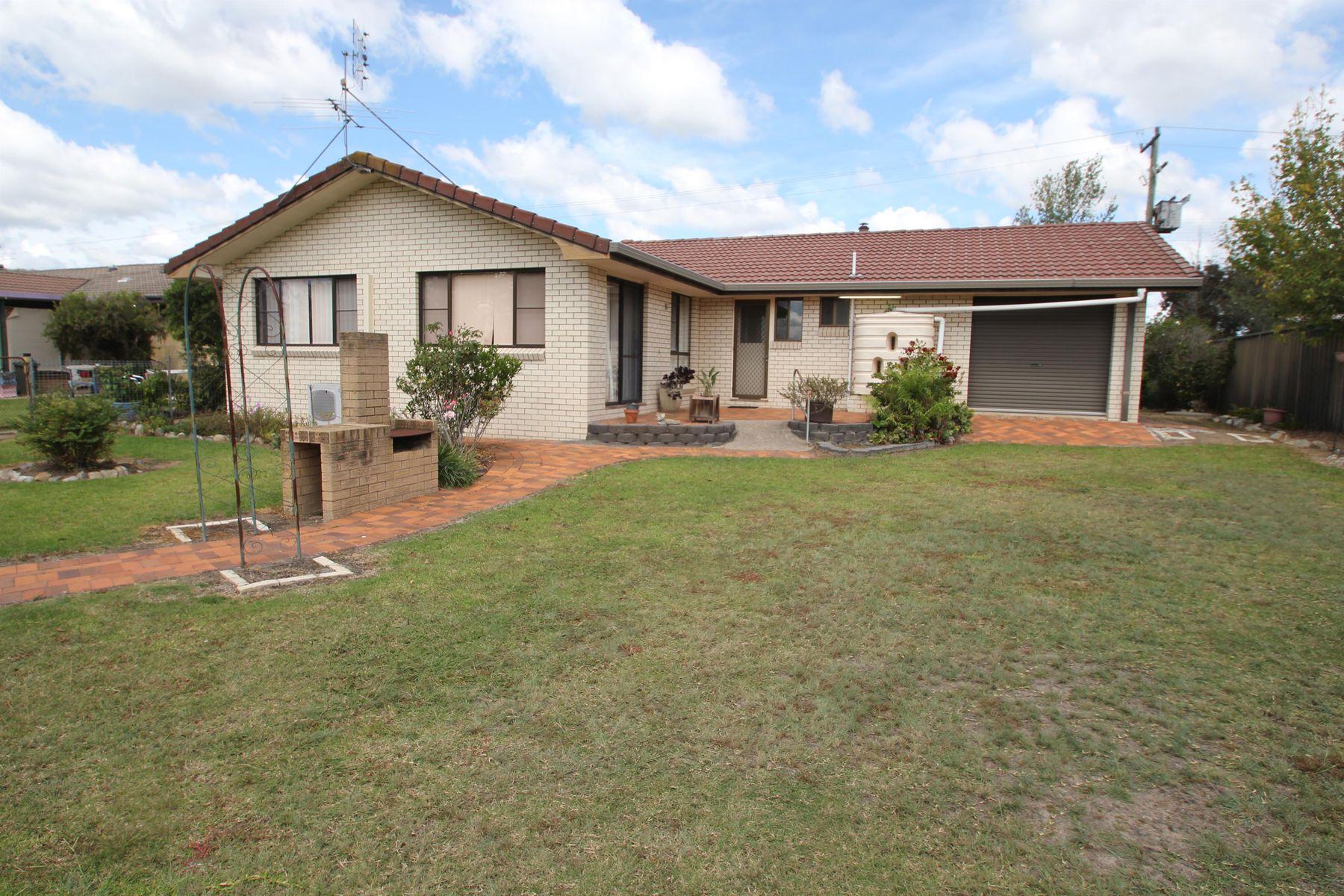 122 Miles Street, Tenterfield, NSW 2372