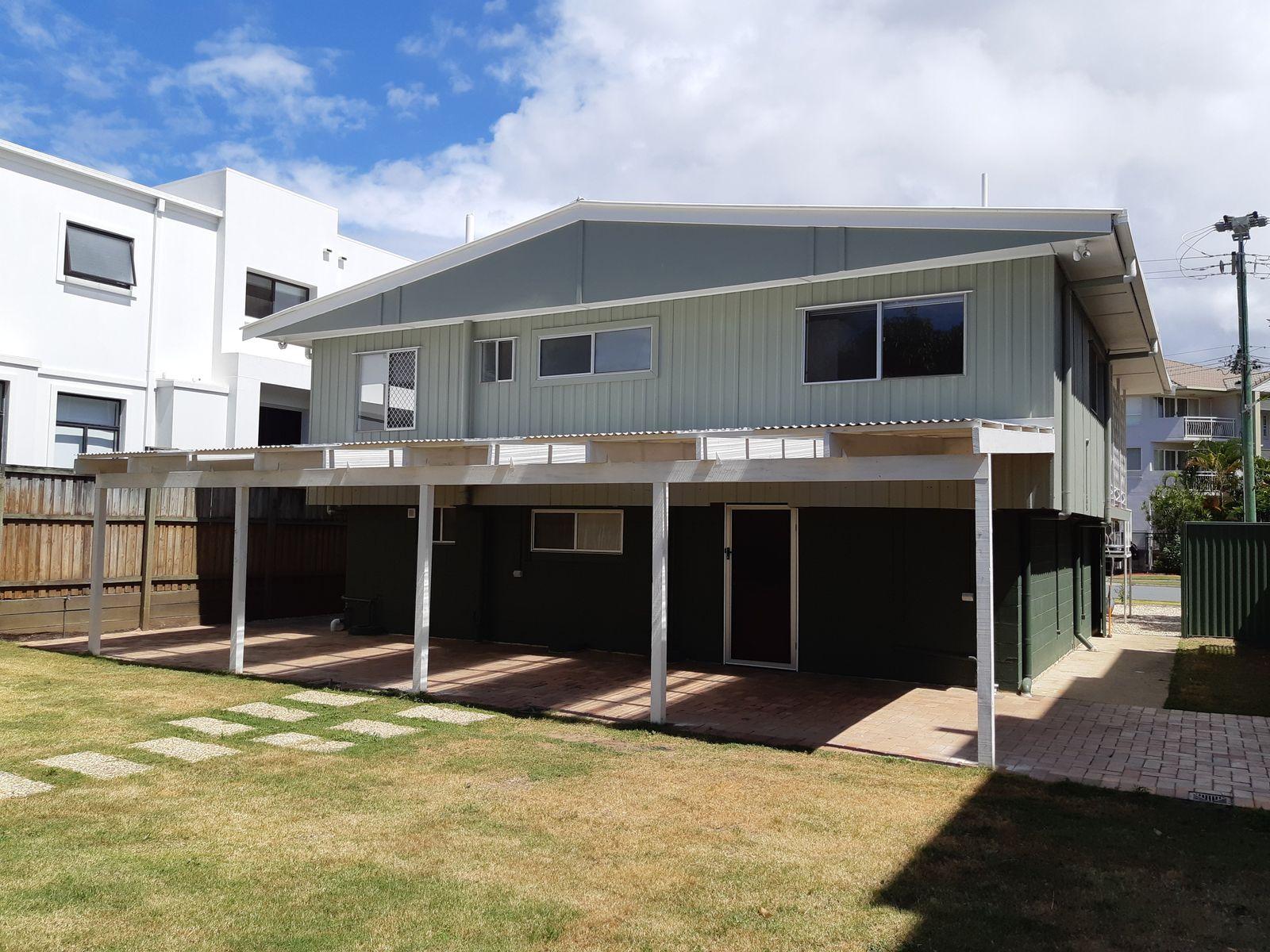 25 Purli Street, Chevron Island, QLD 4217