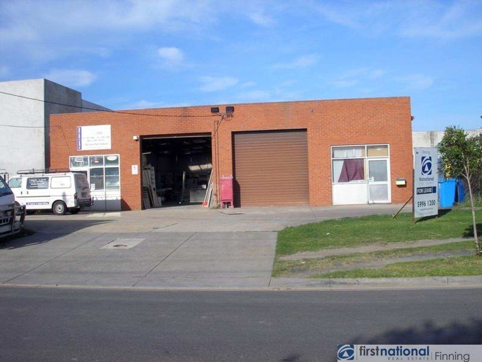 2/36 Station Street, Cranbourne, VIC 3977