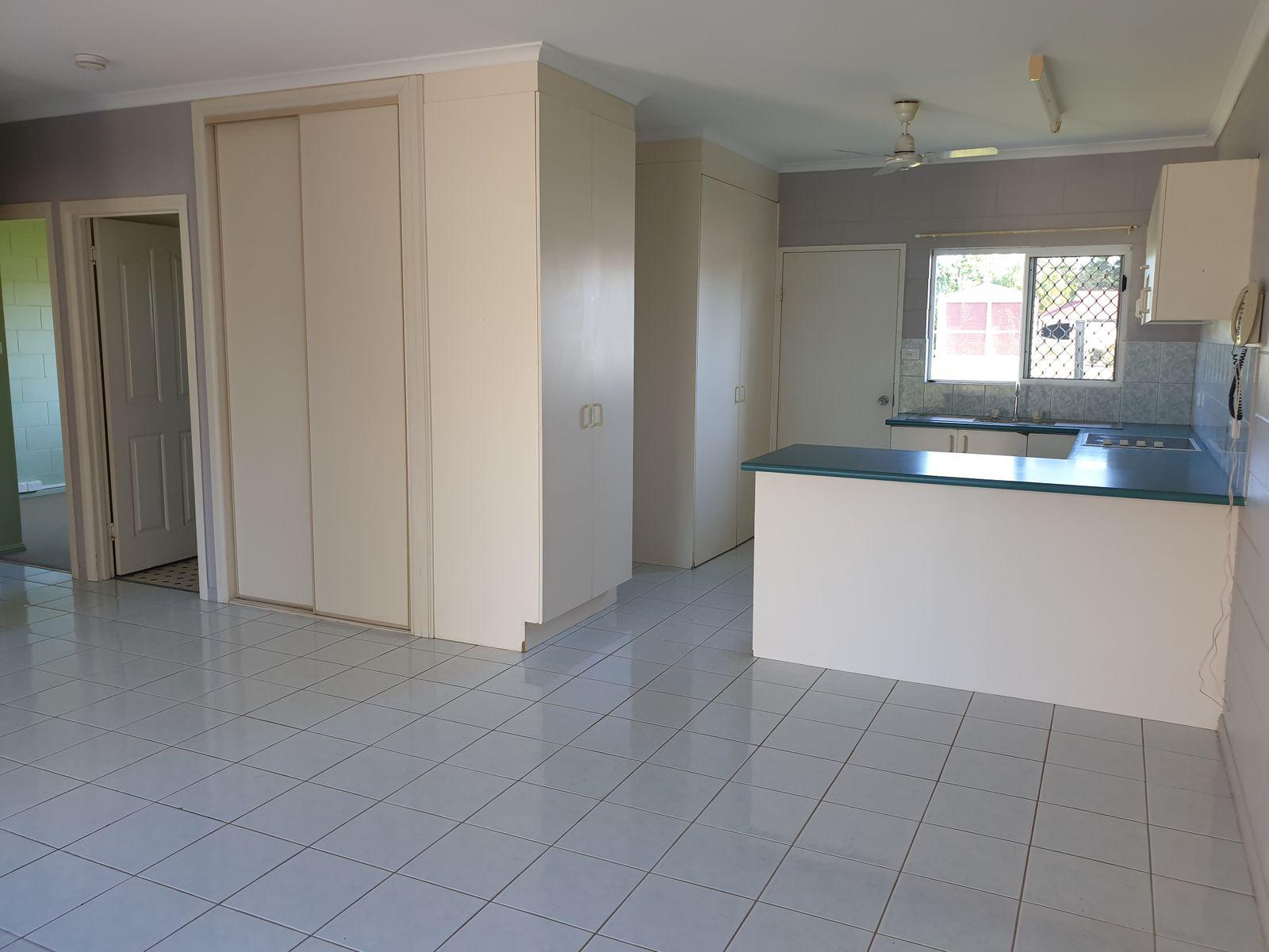 2/6 REYNOLDS Road, Innisfail Estate, QLD 4860