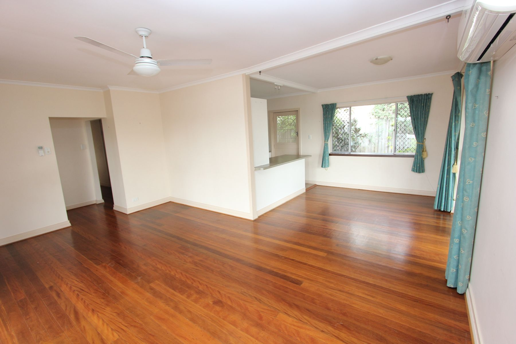 218 Englefield Road, Oxley, QLD 4075